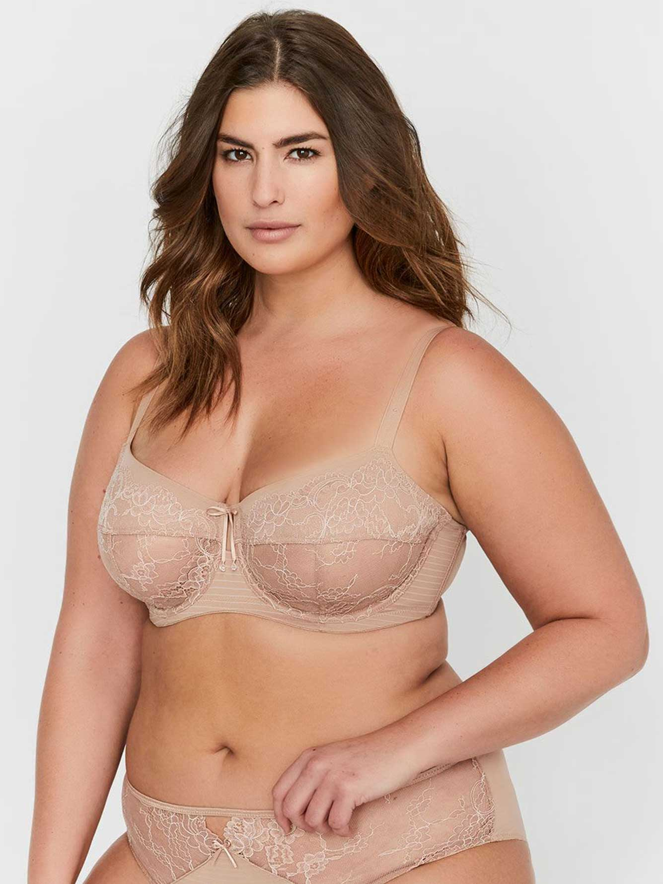 Soutien-gorge Attraction Fatale non coussiné à coutures Ashley Graham