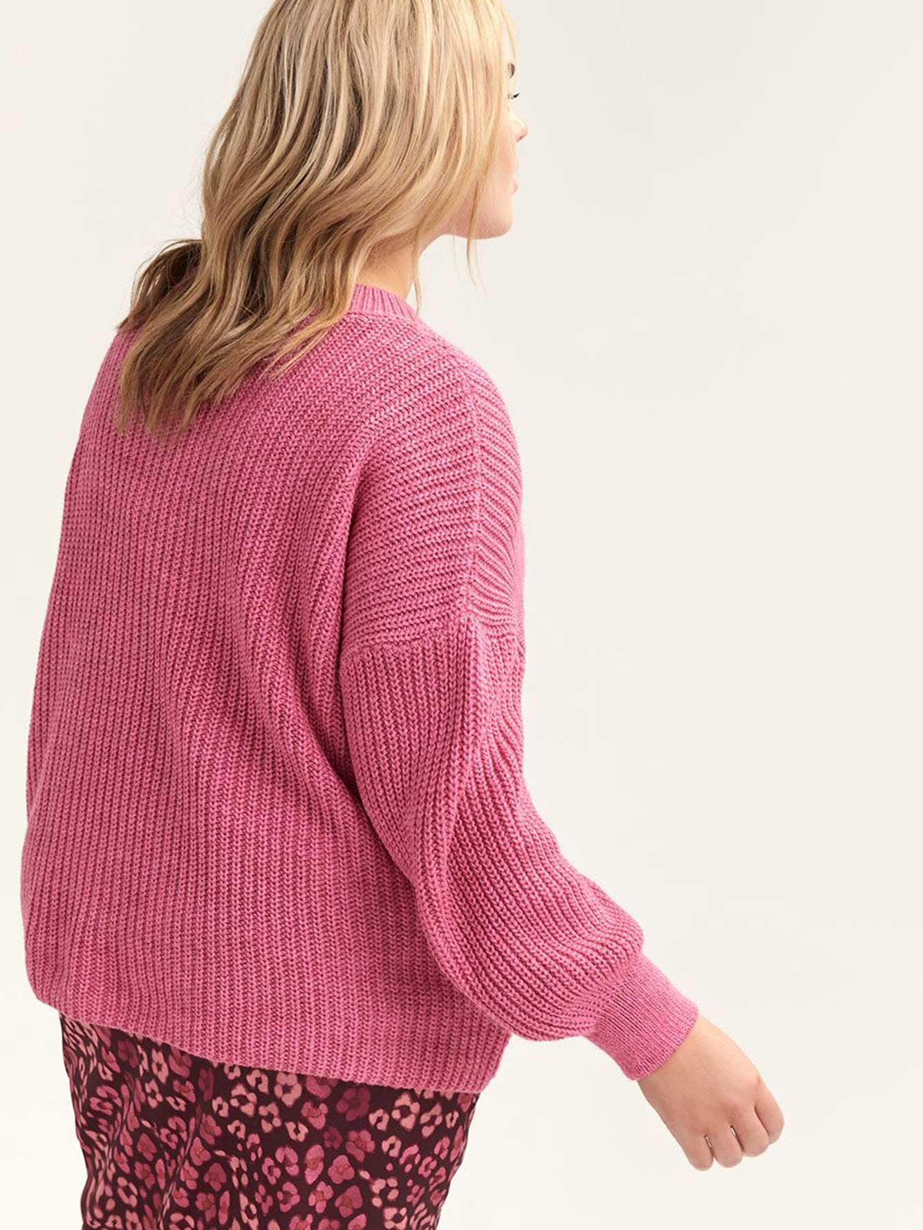 Tricot col V avec manches bouffantes - Lost Ink