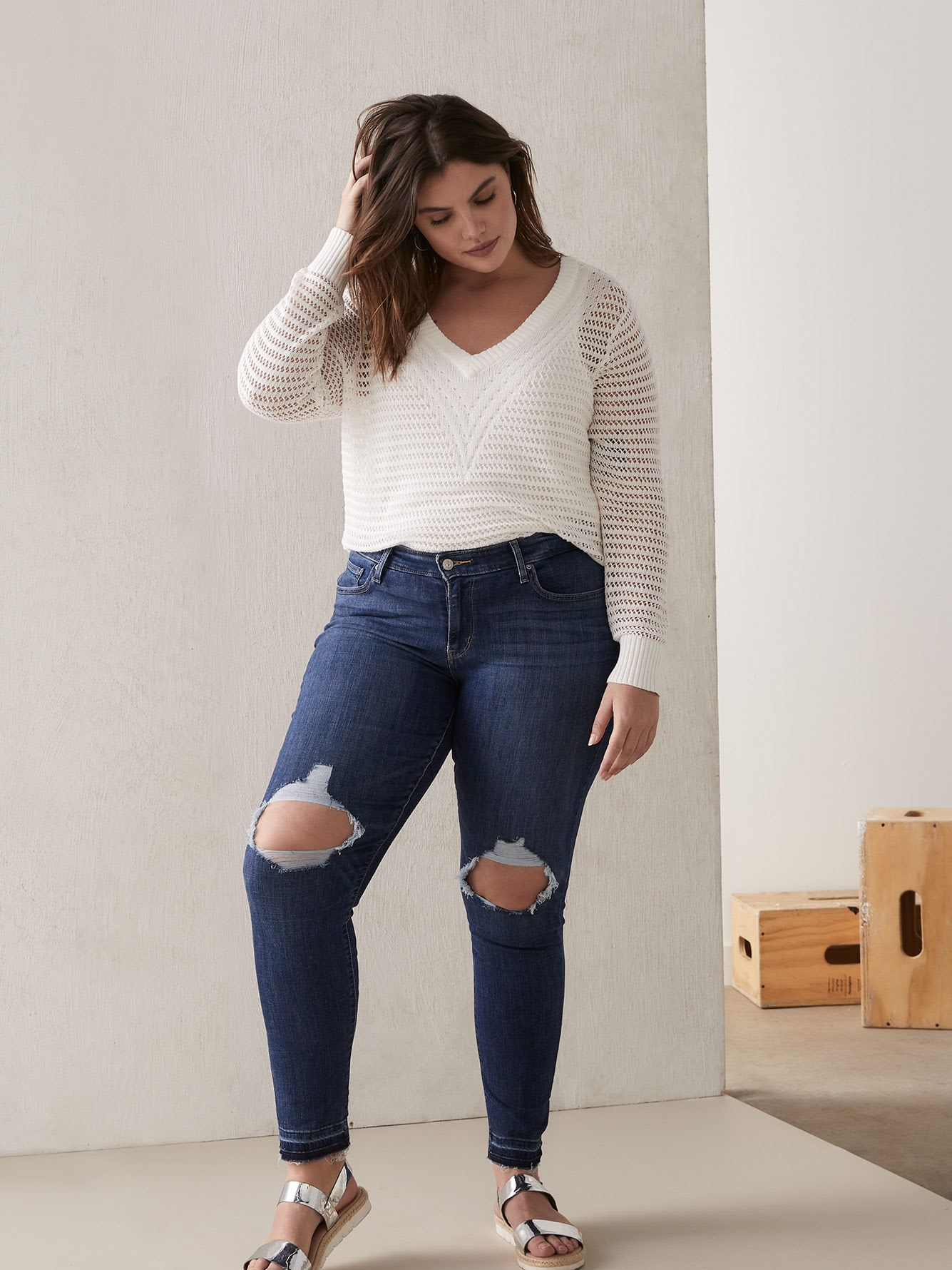 Levi's 711 Skinny Jean with Hem Detail