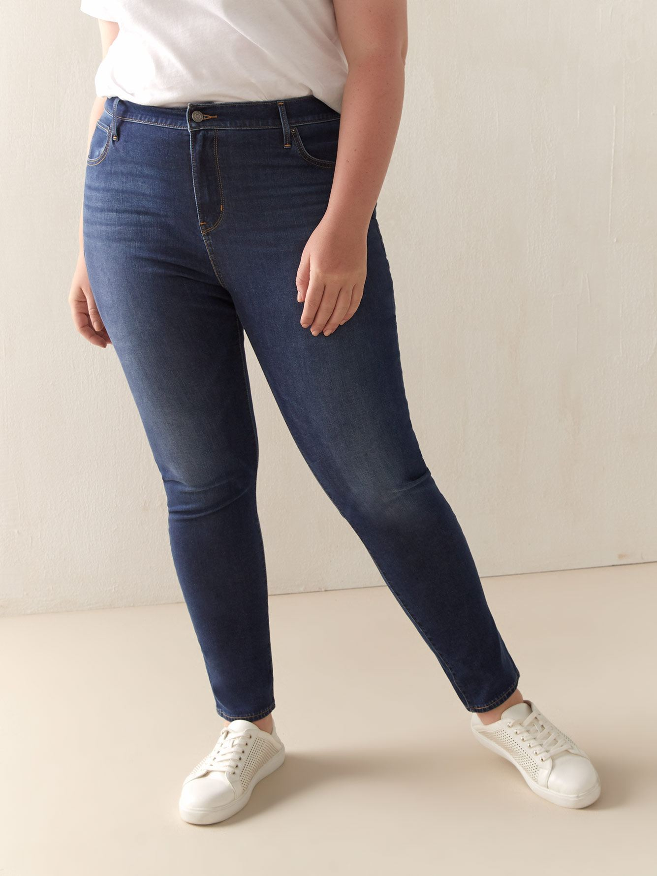 Stretchy High-Rise 721 Skinny Jean - Levi's Premium