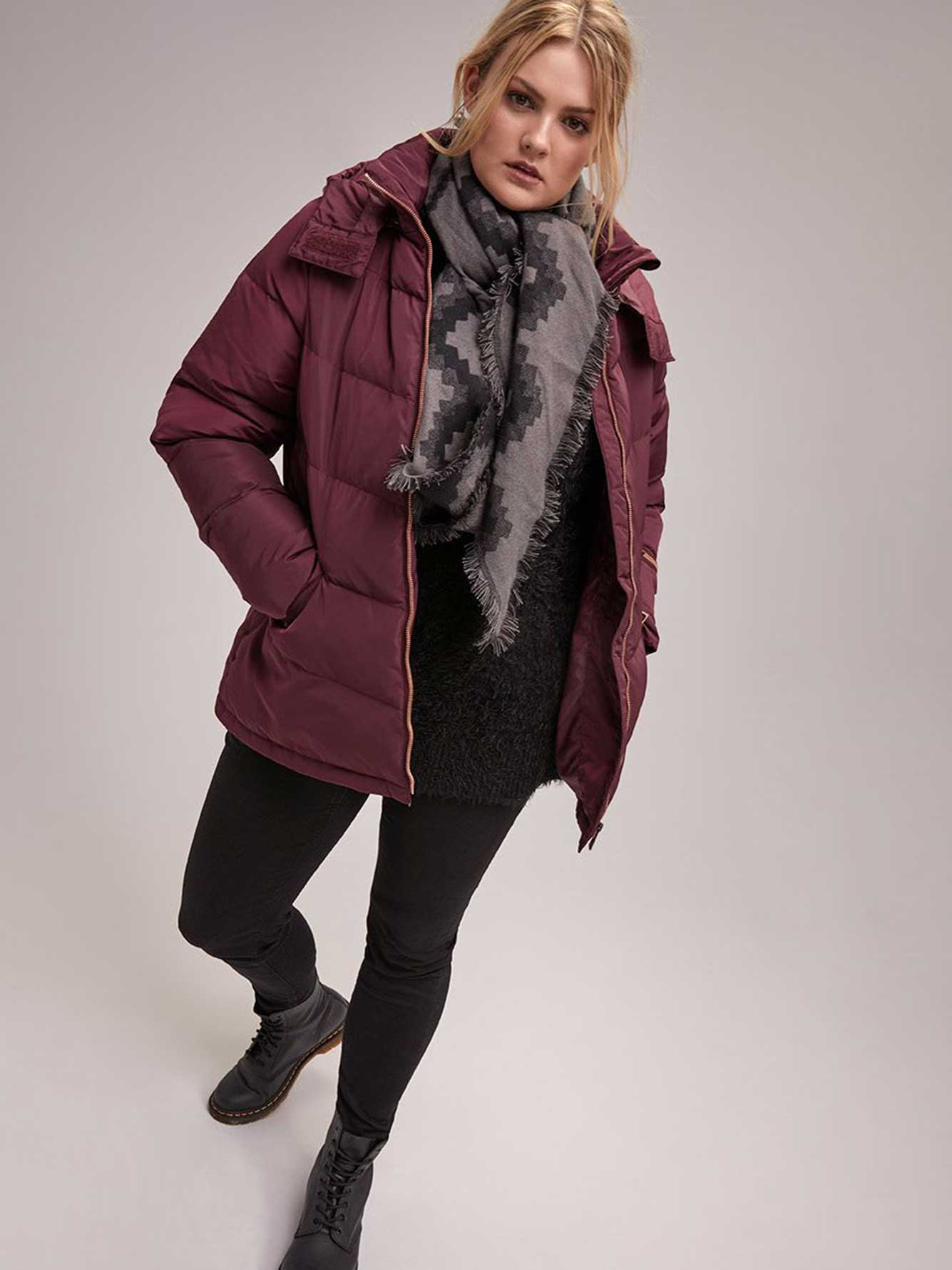 Short Down Puffer Jacket with Hood - LIVIK