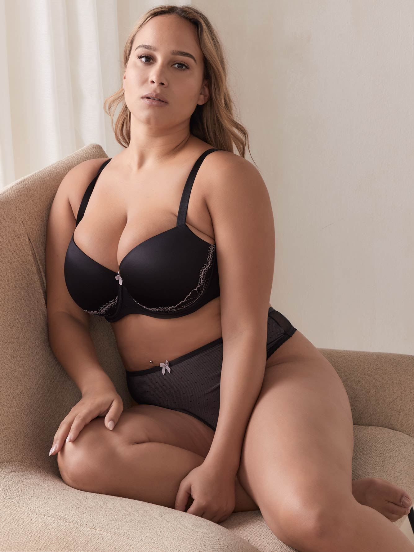 Balconette Bra with Lace - Déesse Collection