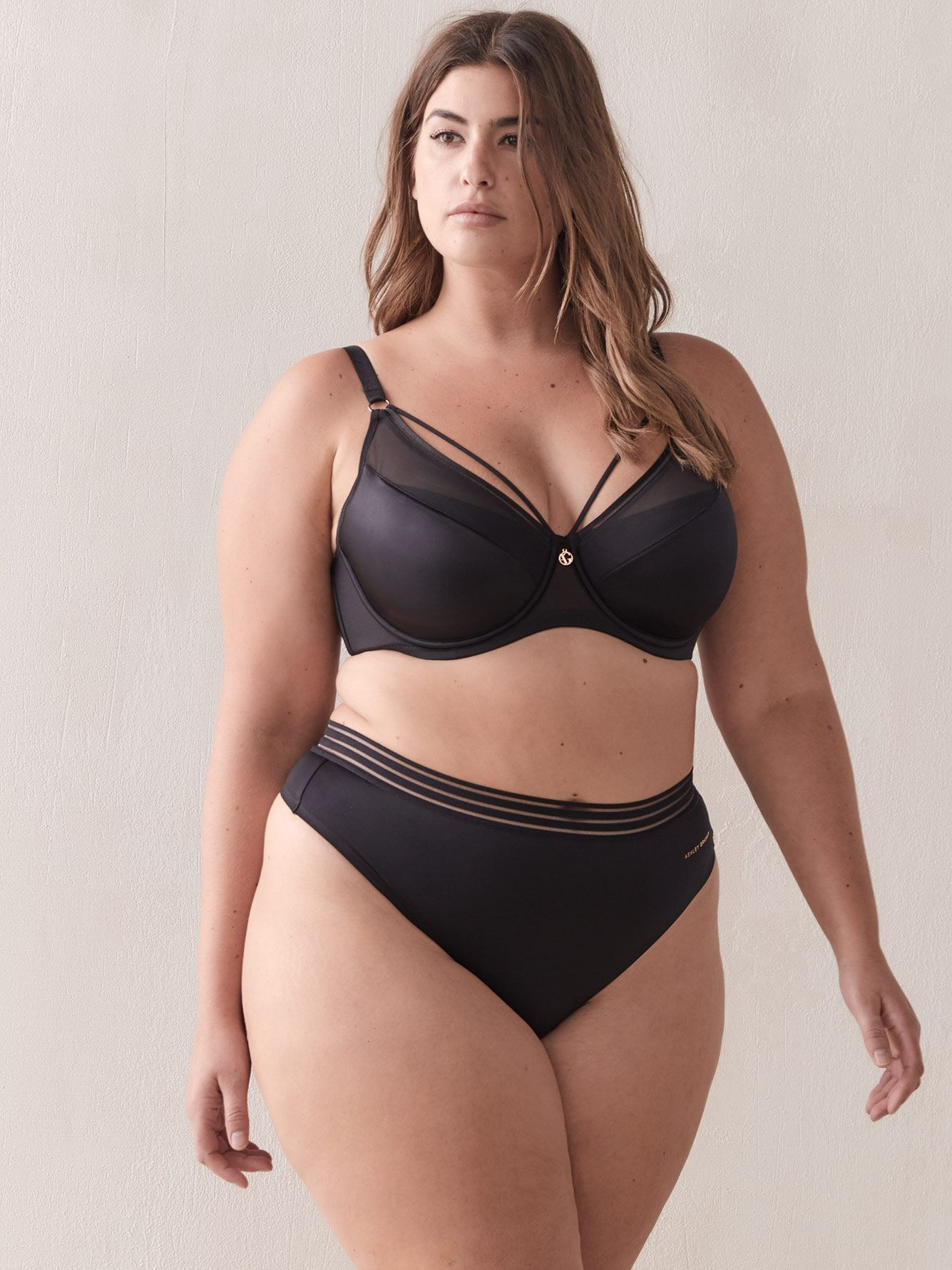 Ashley Graham - Demi Cup Diva Bra