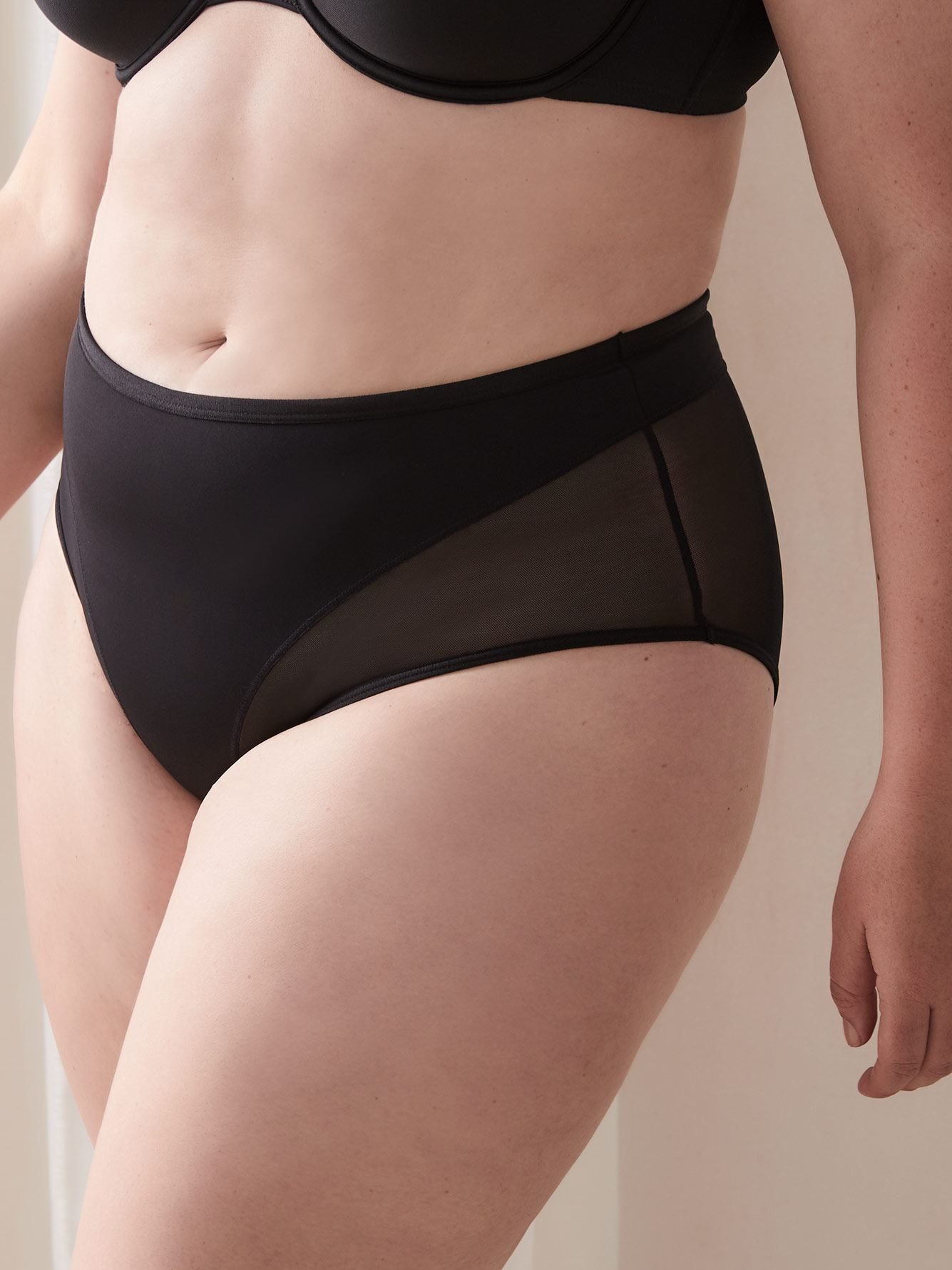 Shapewear Brief Panty with Mesh Inserts - Déesse Collection