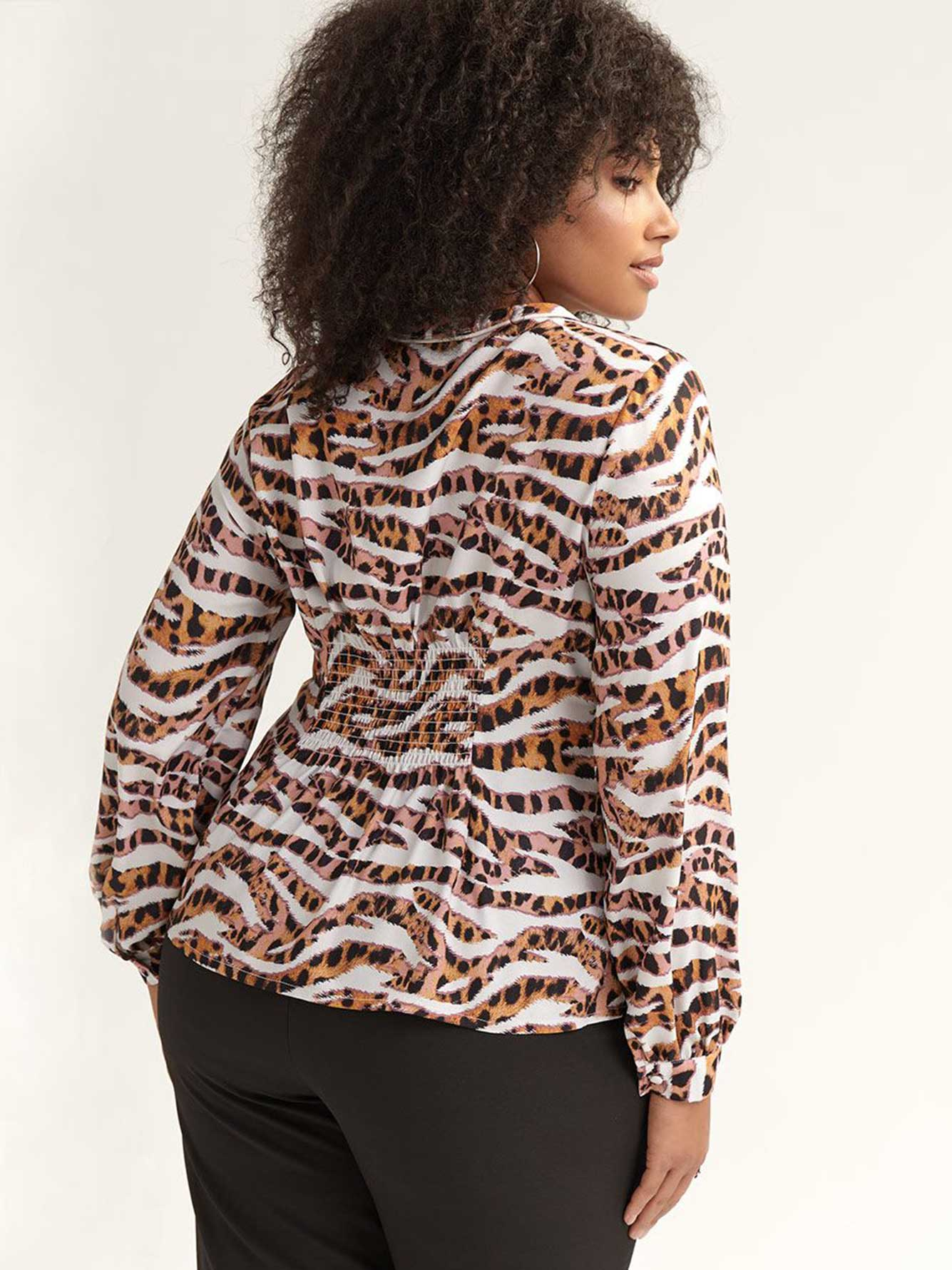 Button-Down Shirt in Striped Leopard Print - Lost Ink