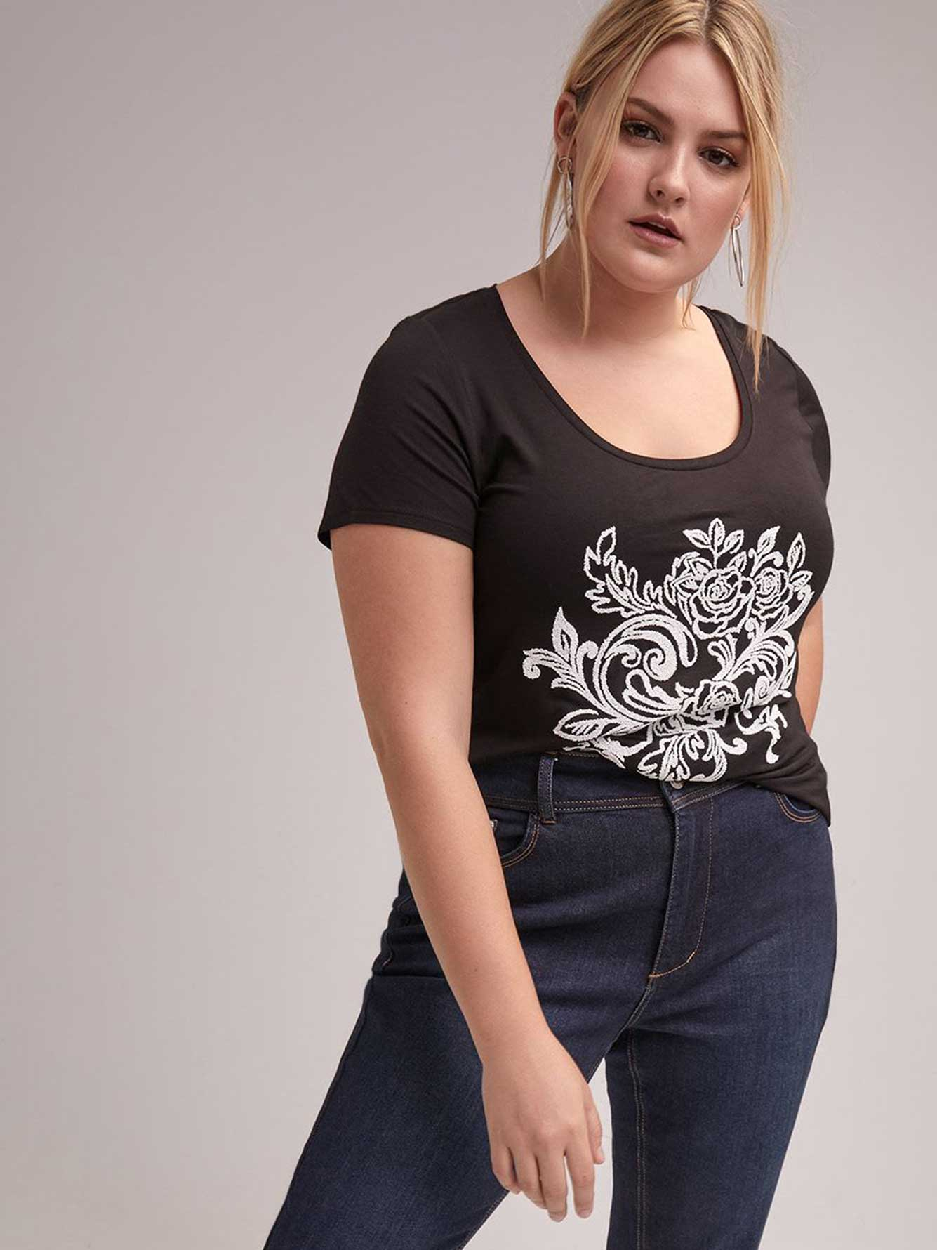 Graphic Scoop Neck Tee - Michel Studio
