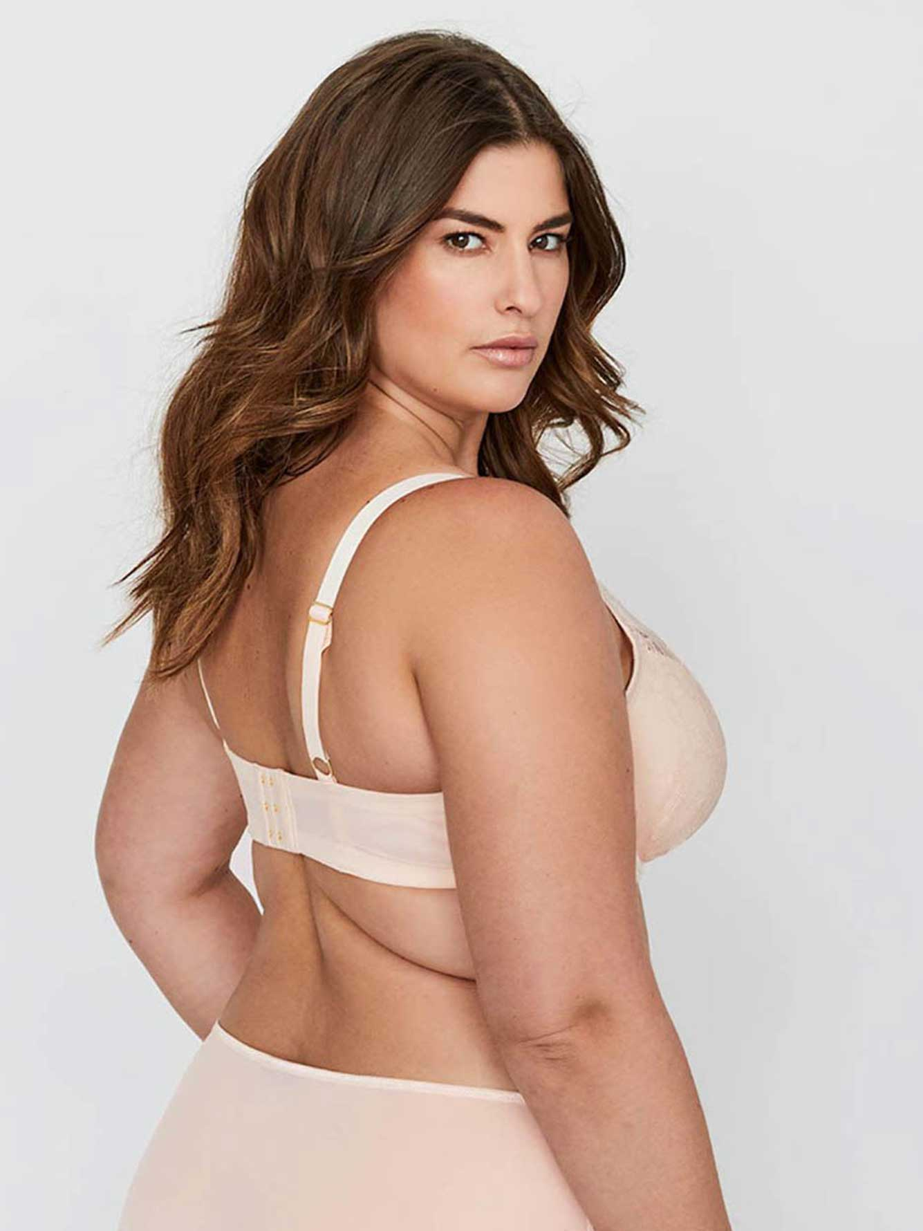 Ashley Graham Lace and Micro Fiber Icon T-shirt Bra in Size G & H