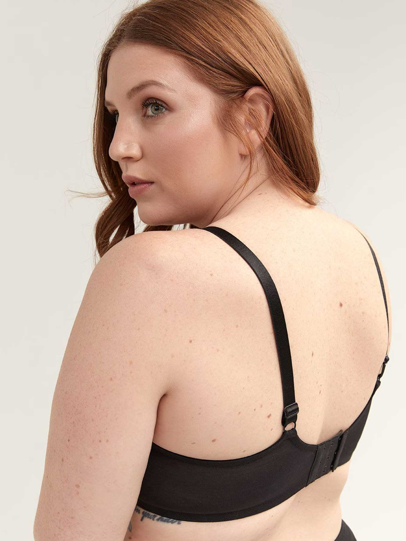 Balconette Bra with Contrasting Lace - Déesse Collection