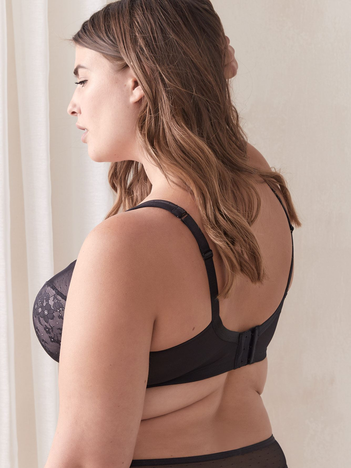 Contour Bra with Lace and Mesh, G & H Cups - Déesse Collection
