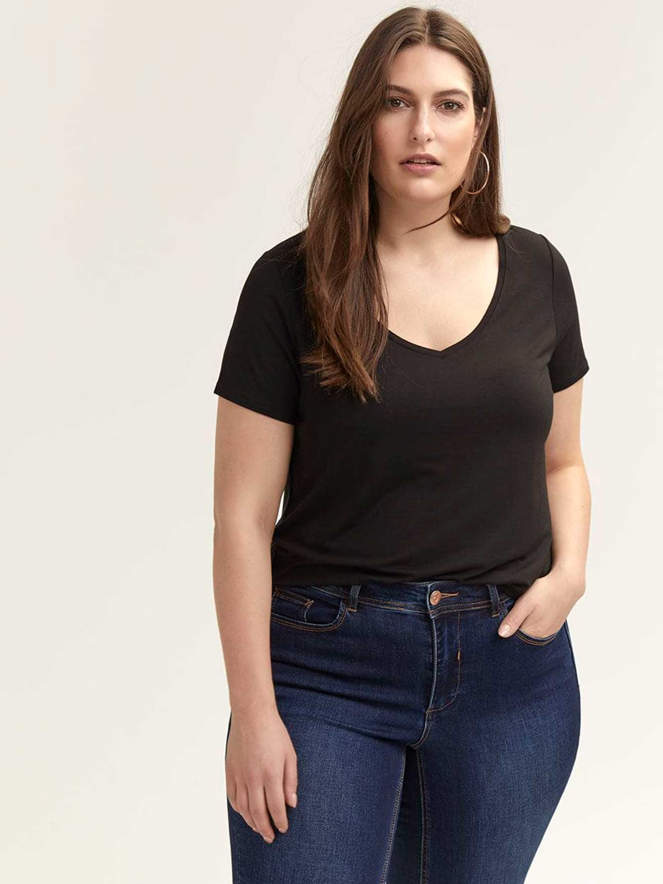 Modern Fit V Neck T-Shirt - Michel Studio