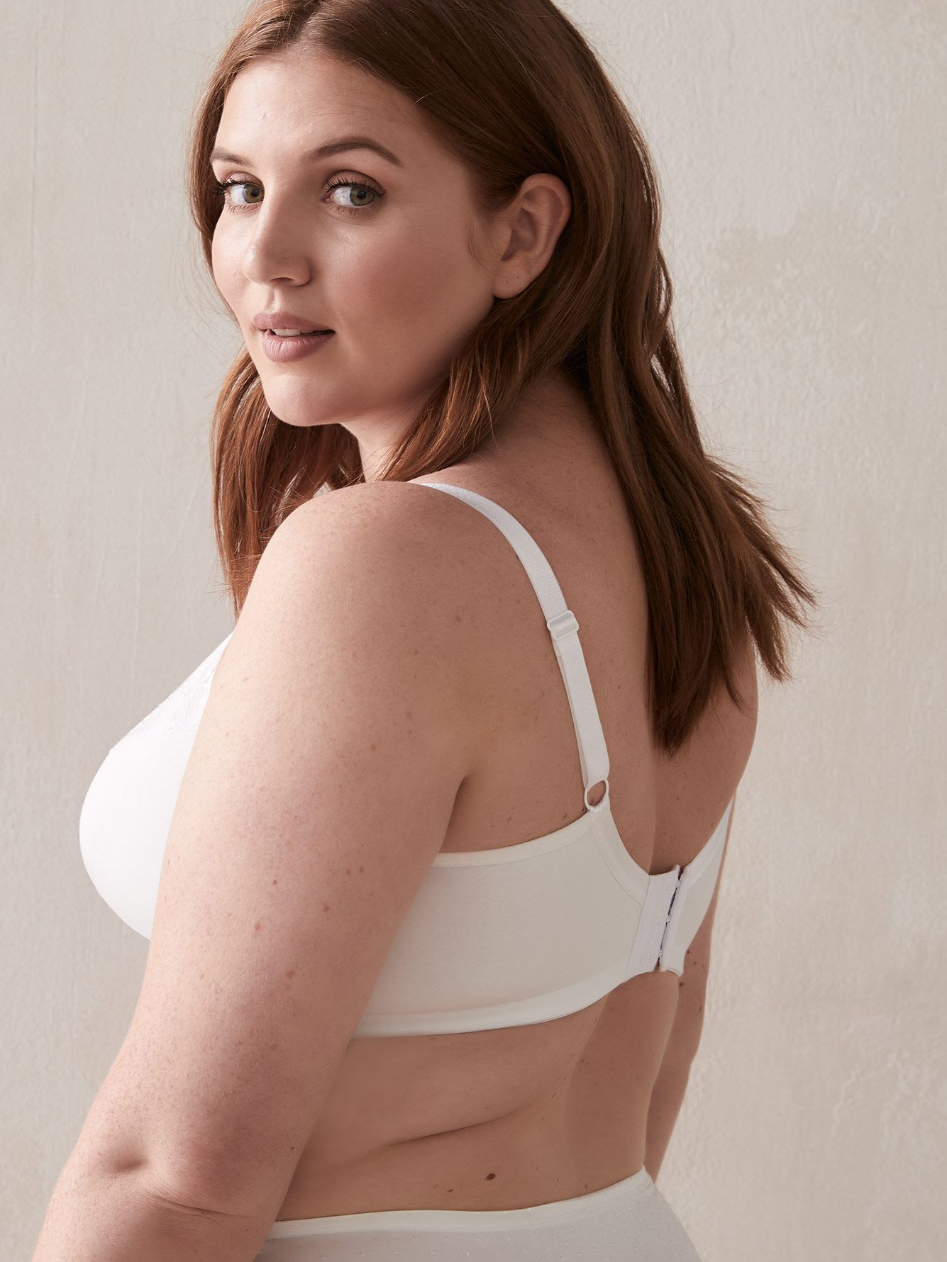 Wirefree Bra with Embroidered G & H Cups - Déesse Collection