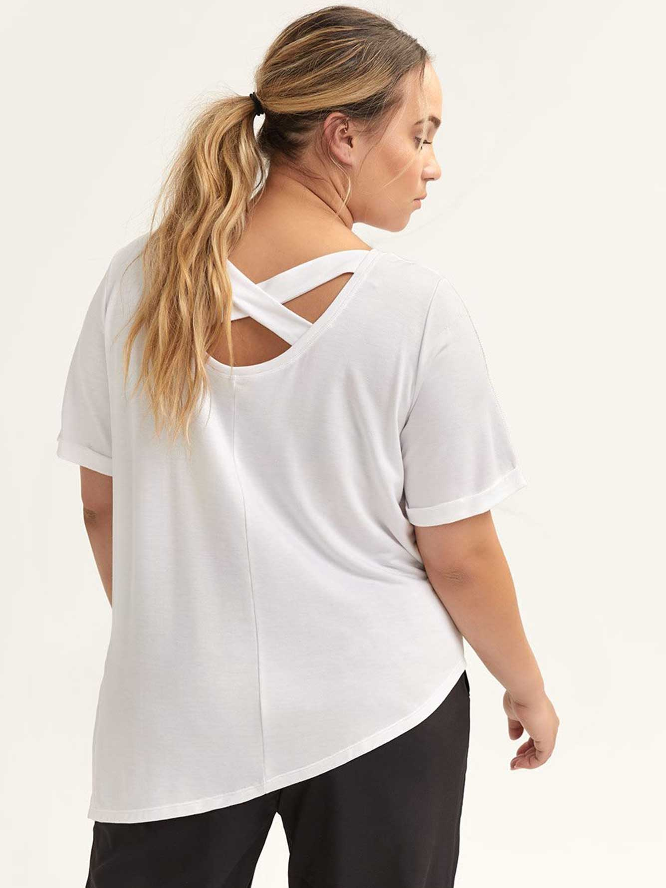 T-Shirt with Crisscross Back - ActiveZone
