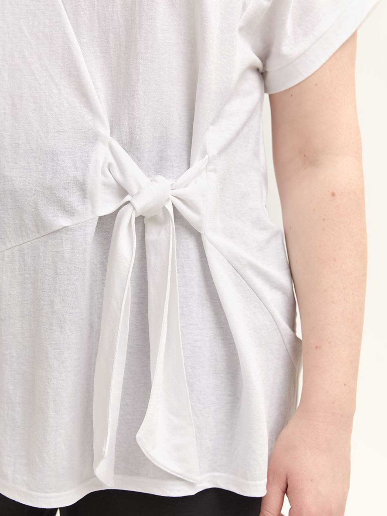 Crew-Neck T-Shirt Tied in Front