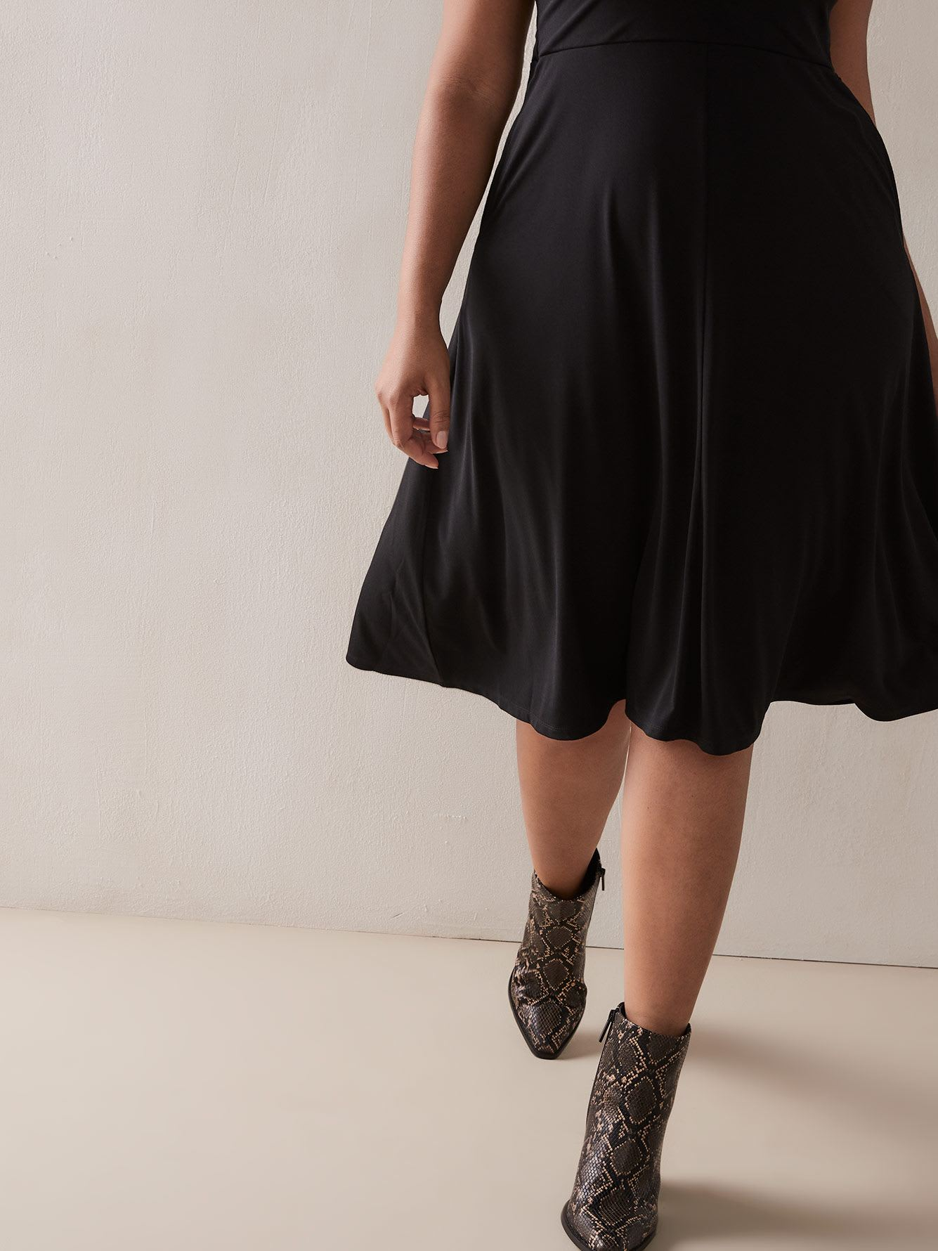 Sleeveless Fit & Flare Dress with Pockets