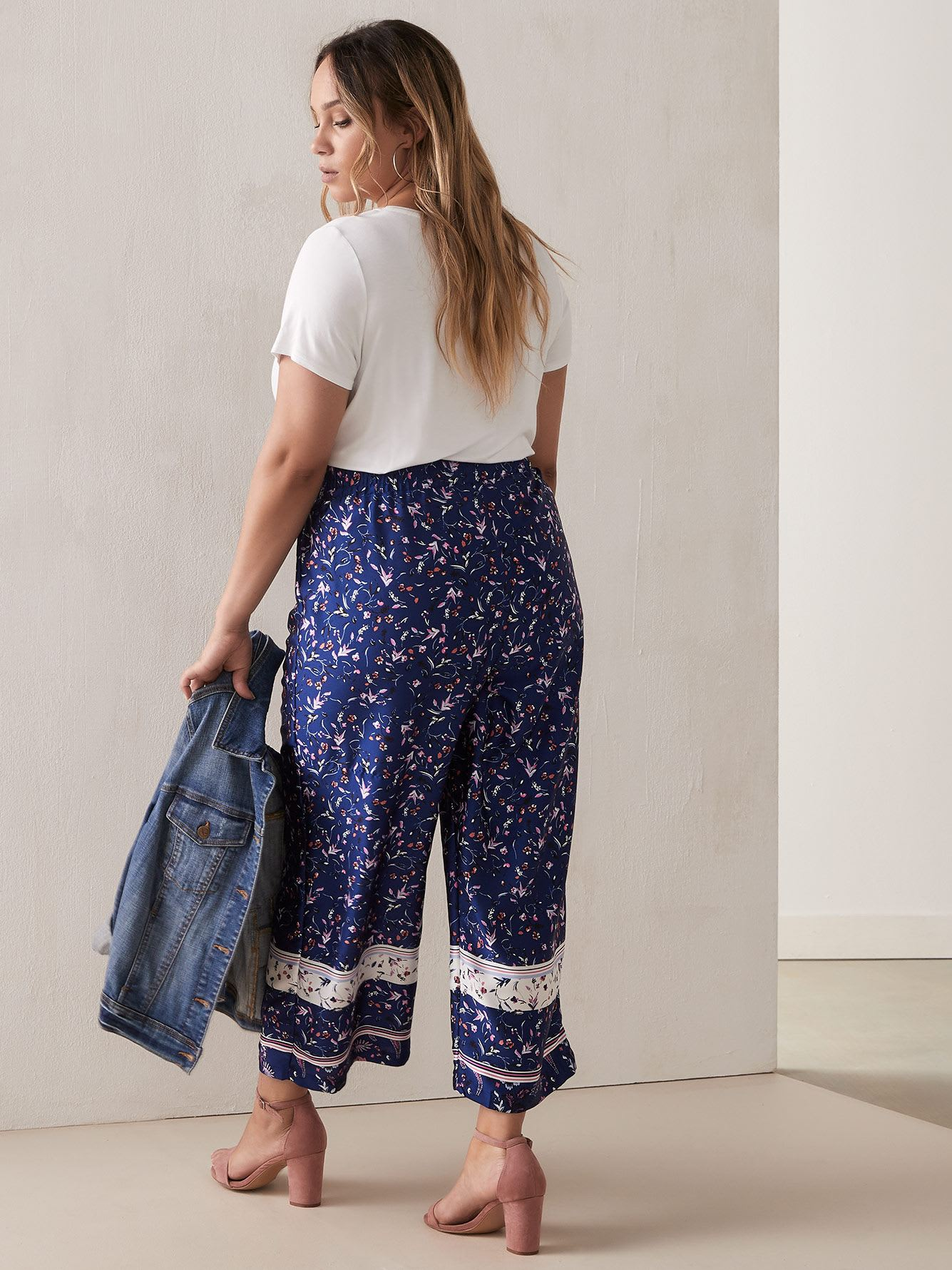 Floral Wide Leg Cropped Pant