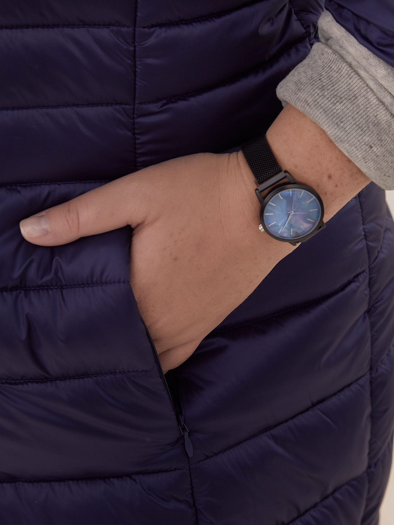 Mesh Watch with Magnetic Closure