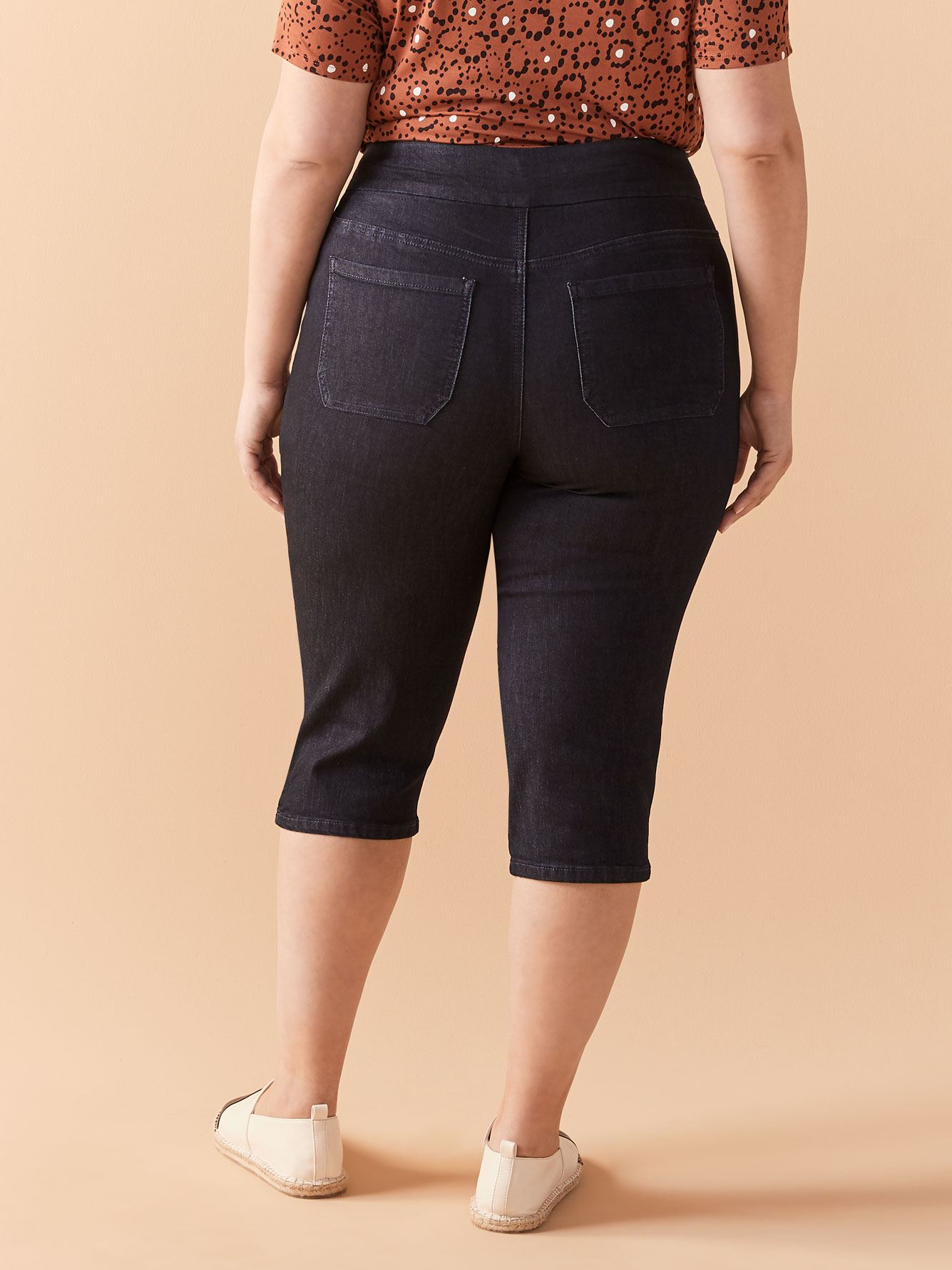 Savvy Denim Capri - In Every Story
