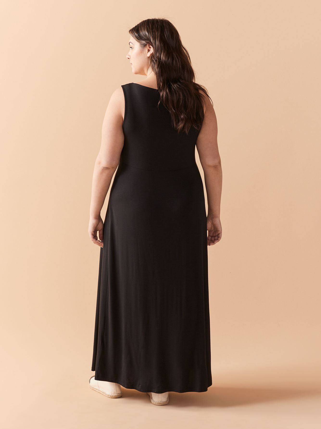 Solid V-Neck Sleeveless Maxi Dress - In Every Story