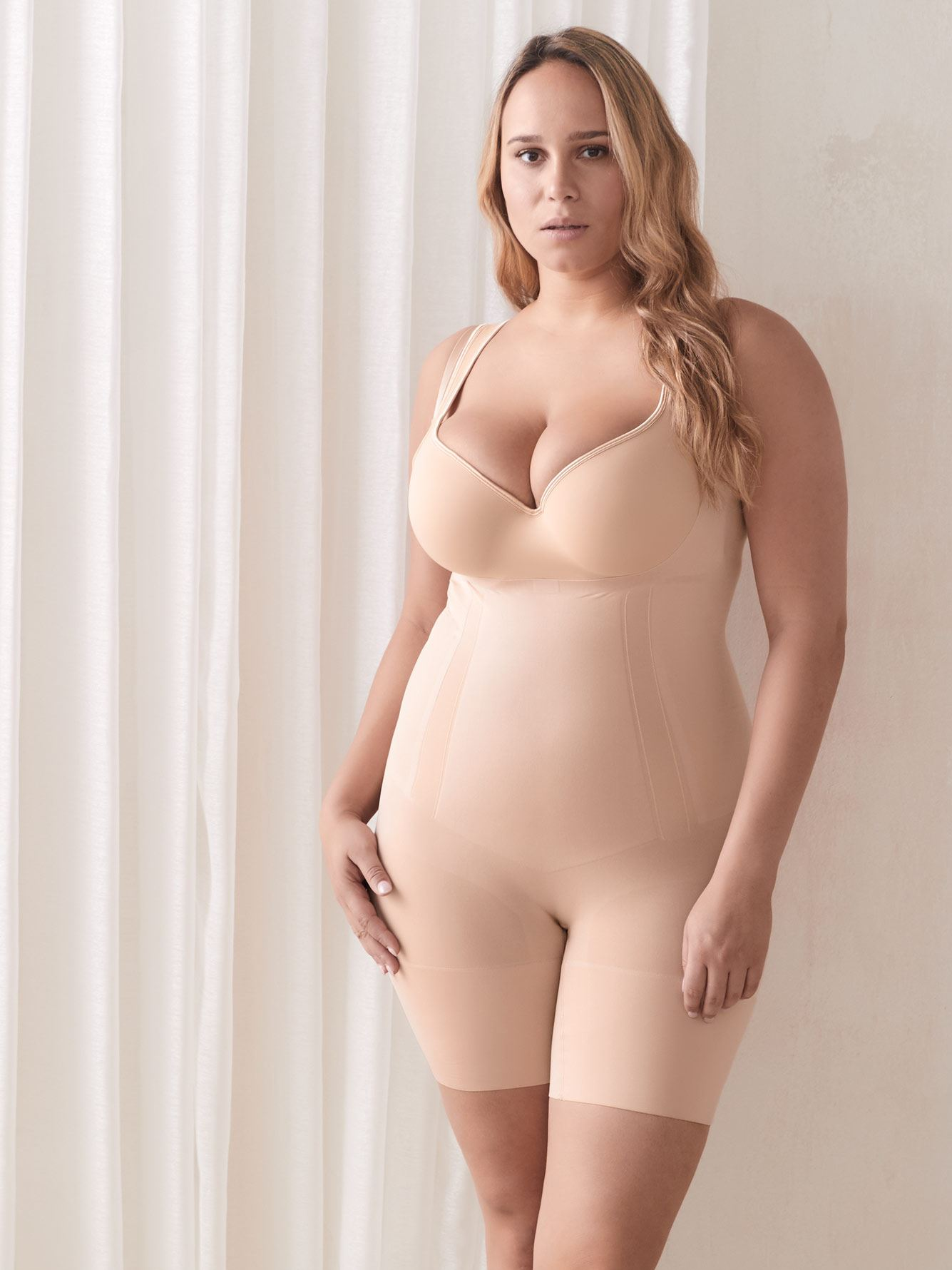 Open-Bust Oncore Mid-Thigh Bodysuit - Spanx