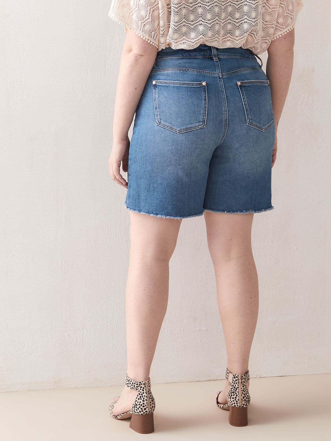Short en denim découpé vintage - Addition Elle