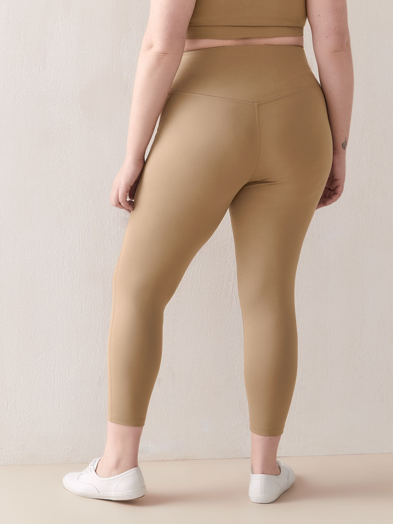 Fashion High-Rise 7/8 Compression Legging - Girlfriend Collective
