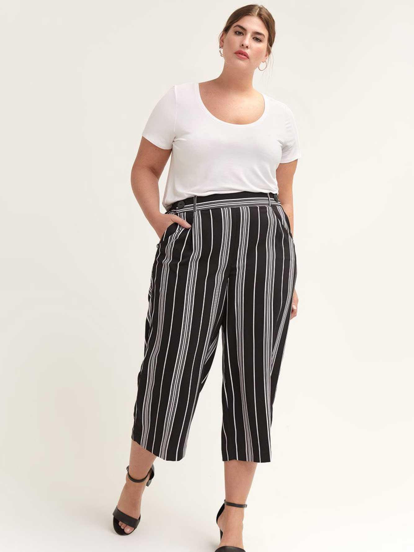 Wide-Leg Striped Cropped Pant