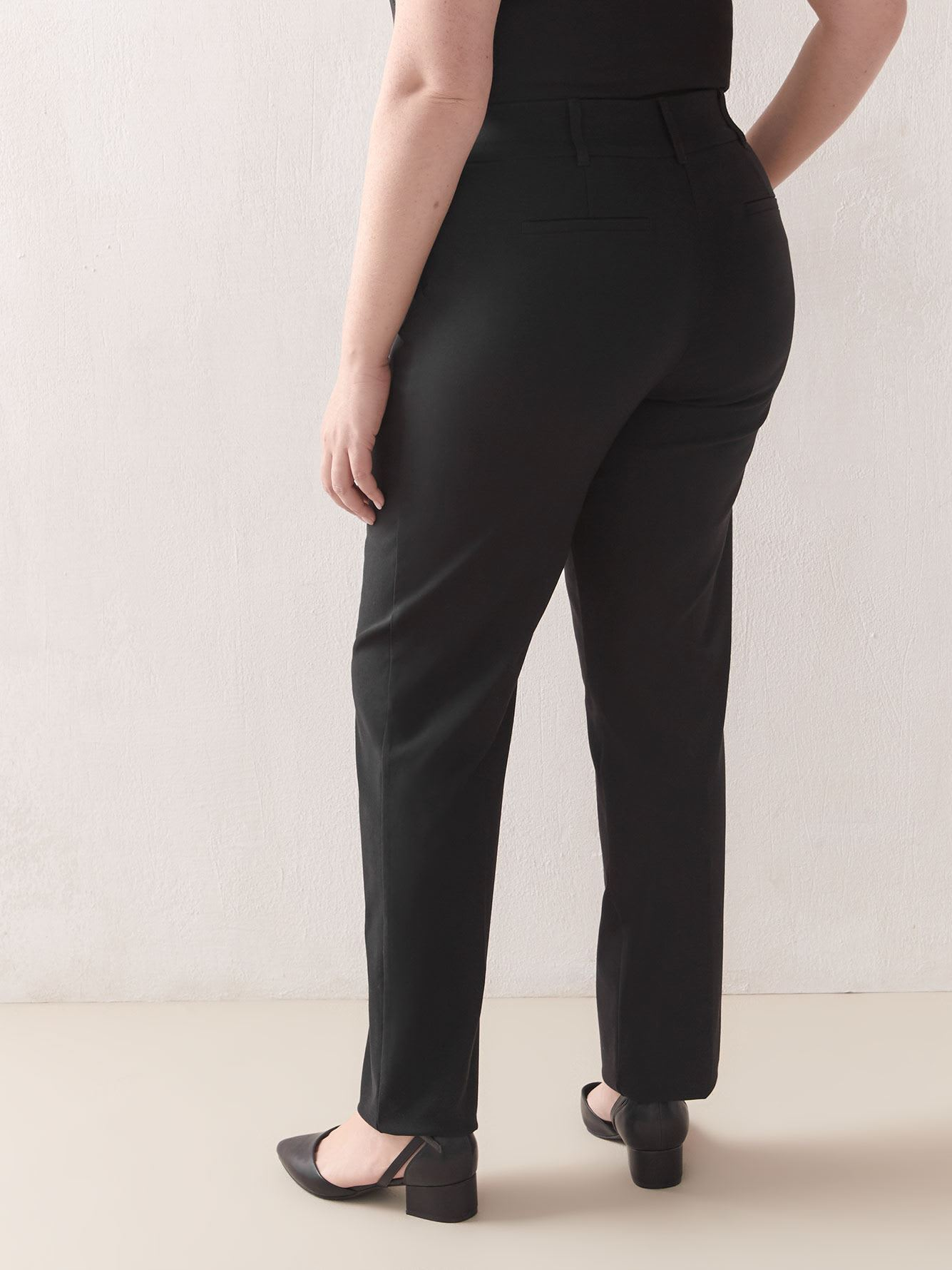 Black Straight-Leg Pant - In Every Story