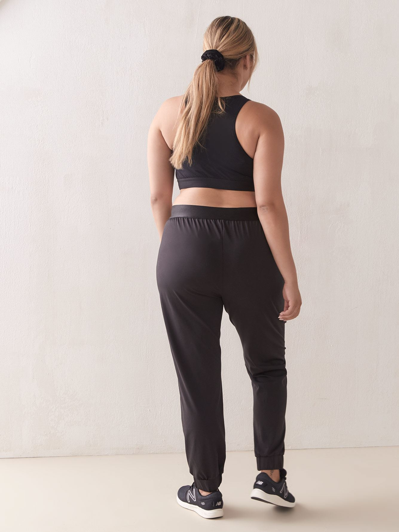 Stretchy Black Jogger - ActiveZone