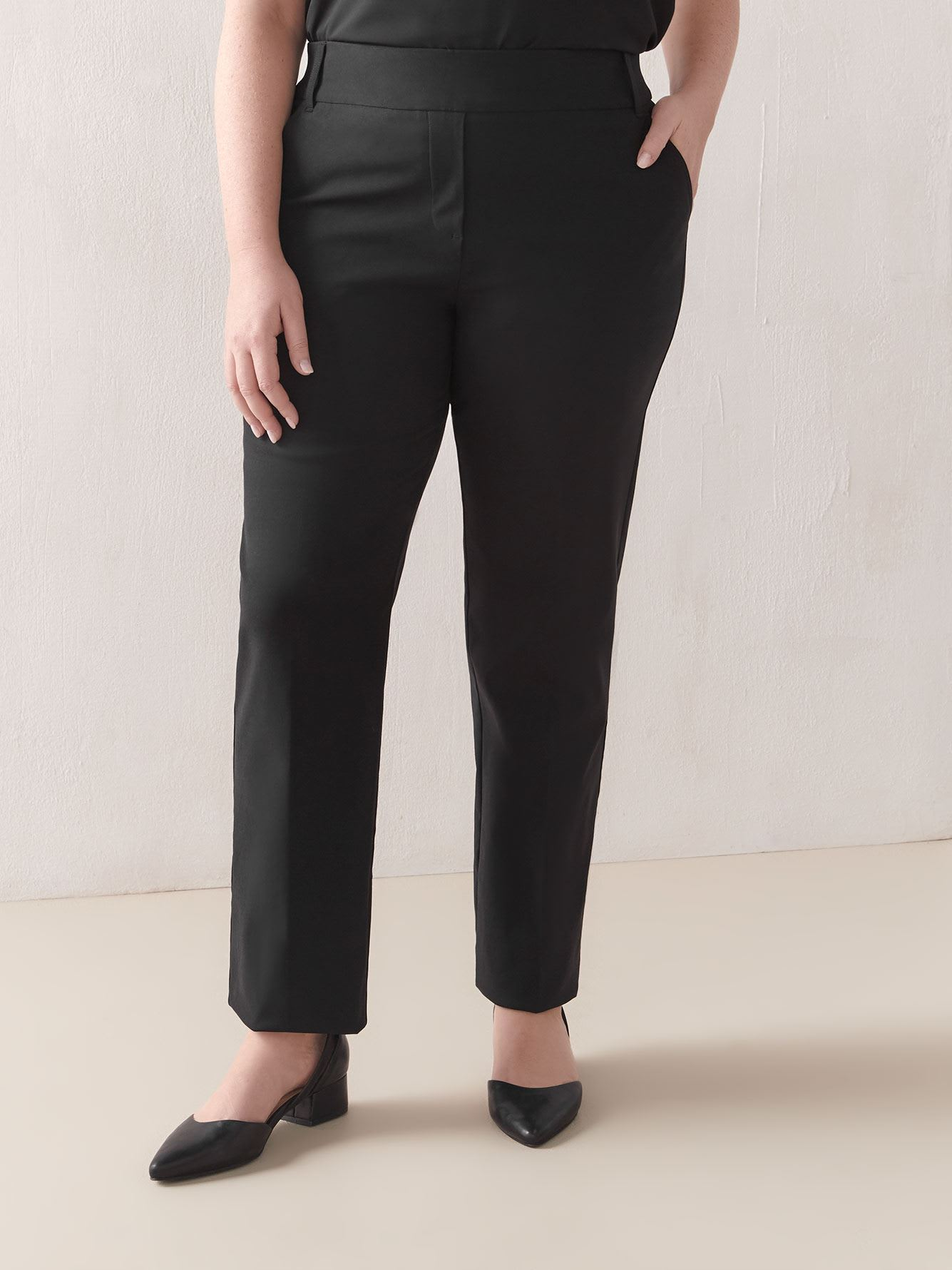 Petite, Black Straight-Leg Pant - In Every Story