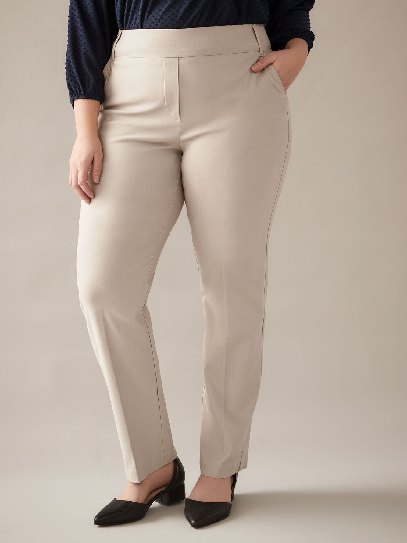Petite, Straight-Leg Pant - In Every Story