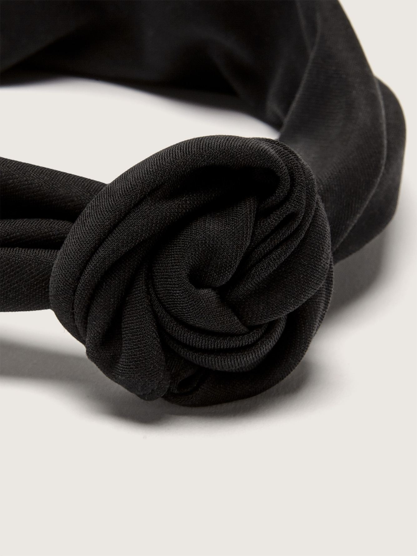 Twisted Headband with Integrated Metal Rod - Gibou
