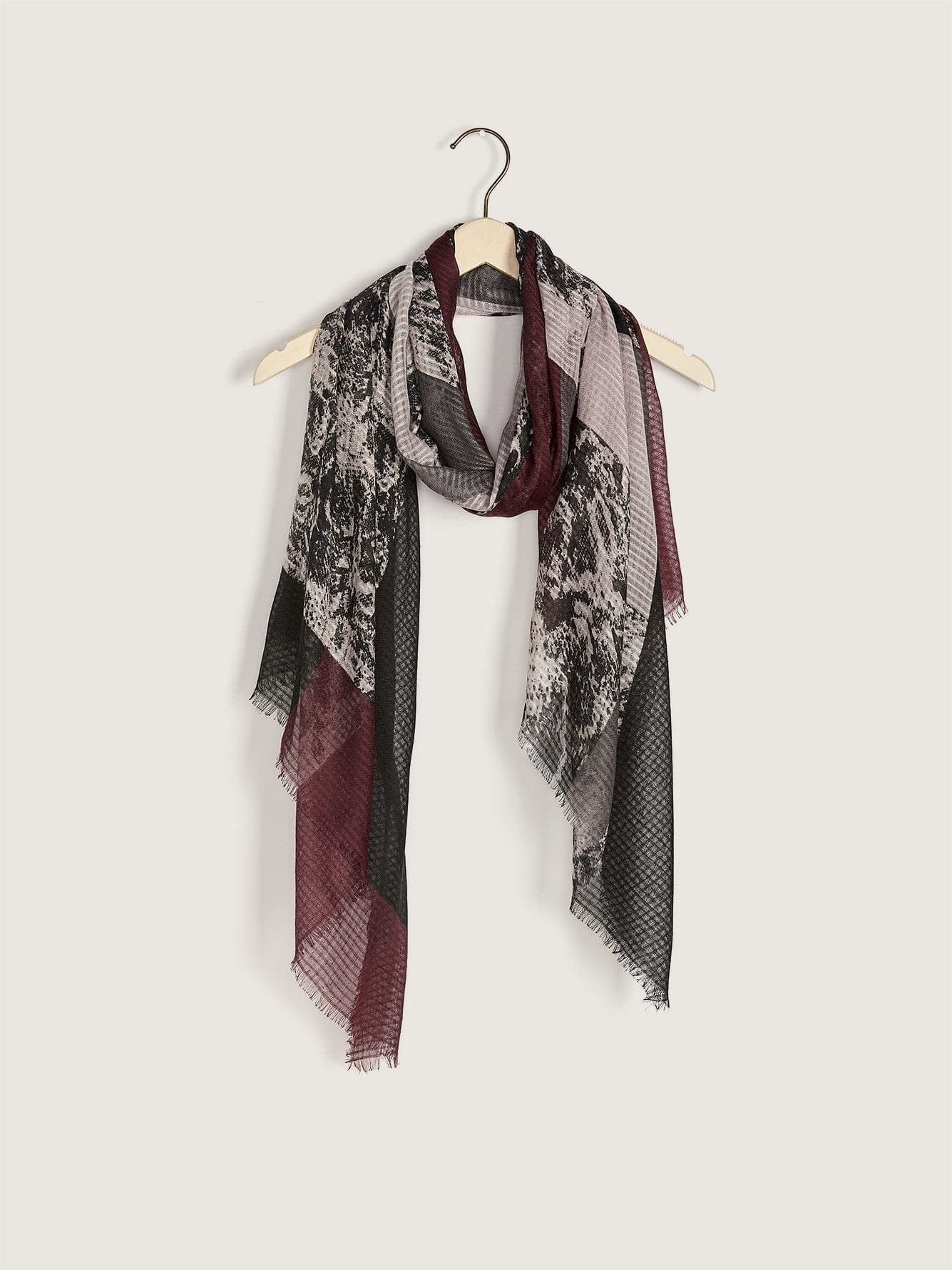 Printed Scarf with Fringe