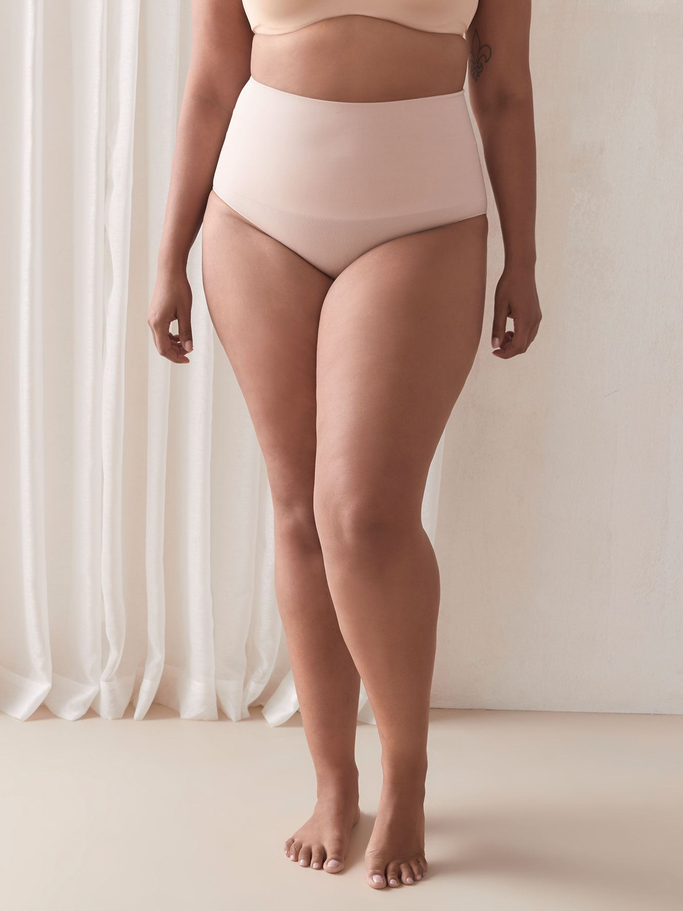 Seamless Shapewear Panty - Addition Elle