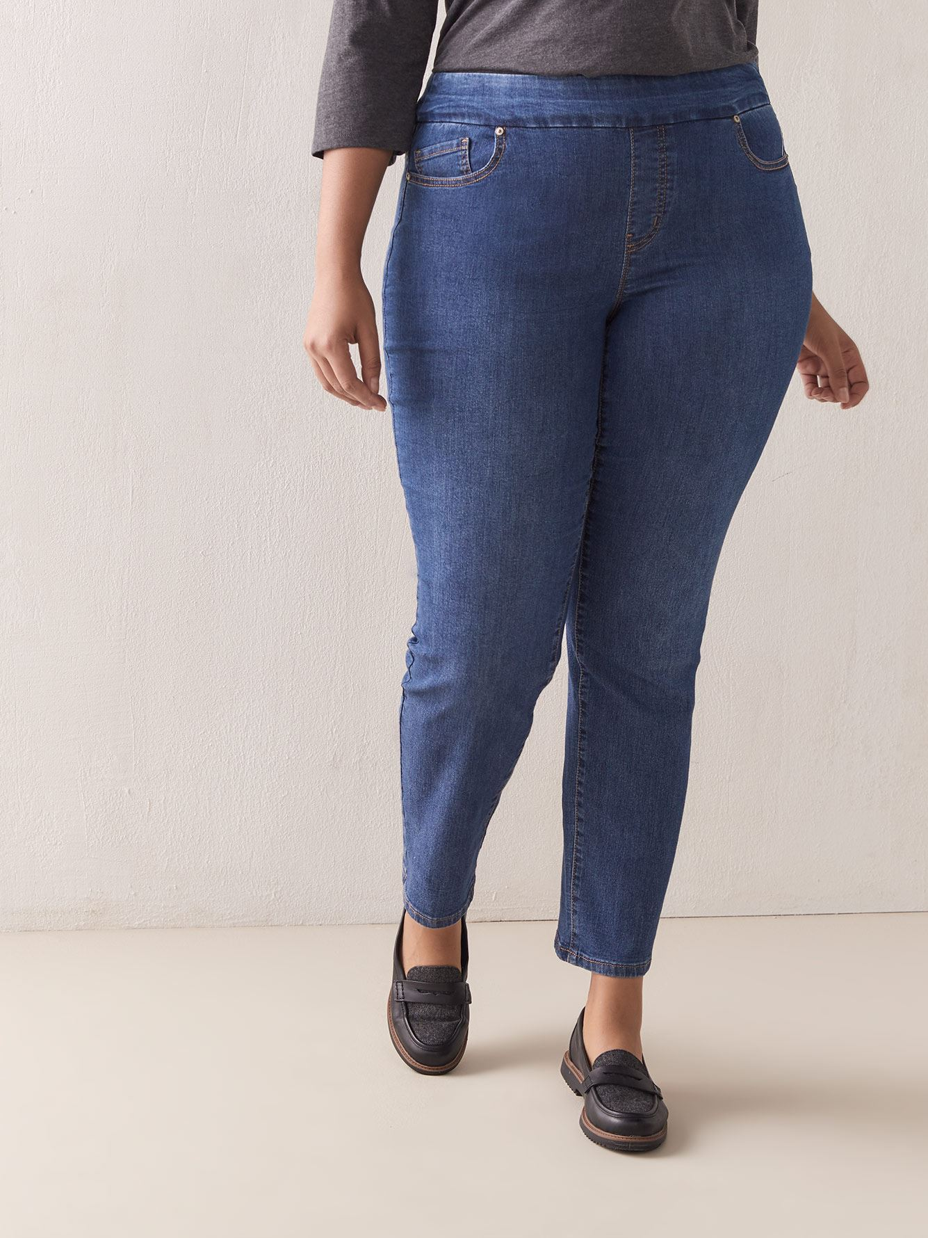 Universal Fit,Tall, Straight Leg Jeans - d/C JEANS