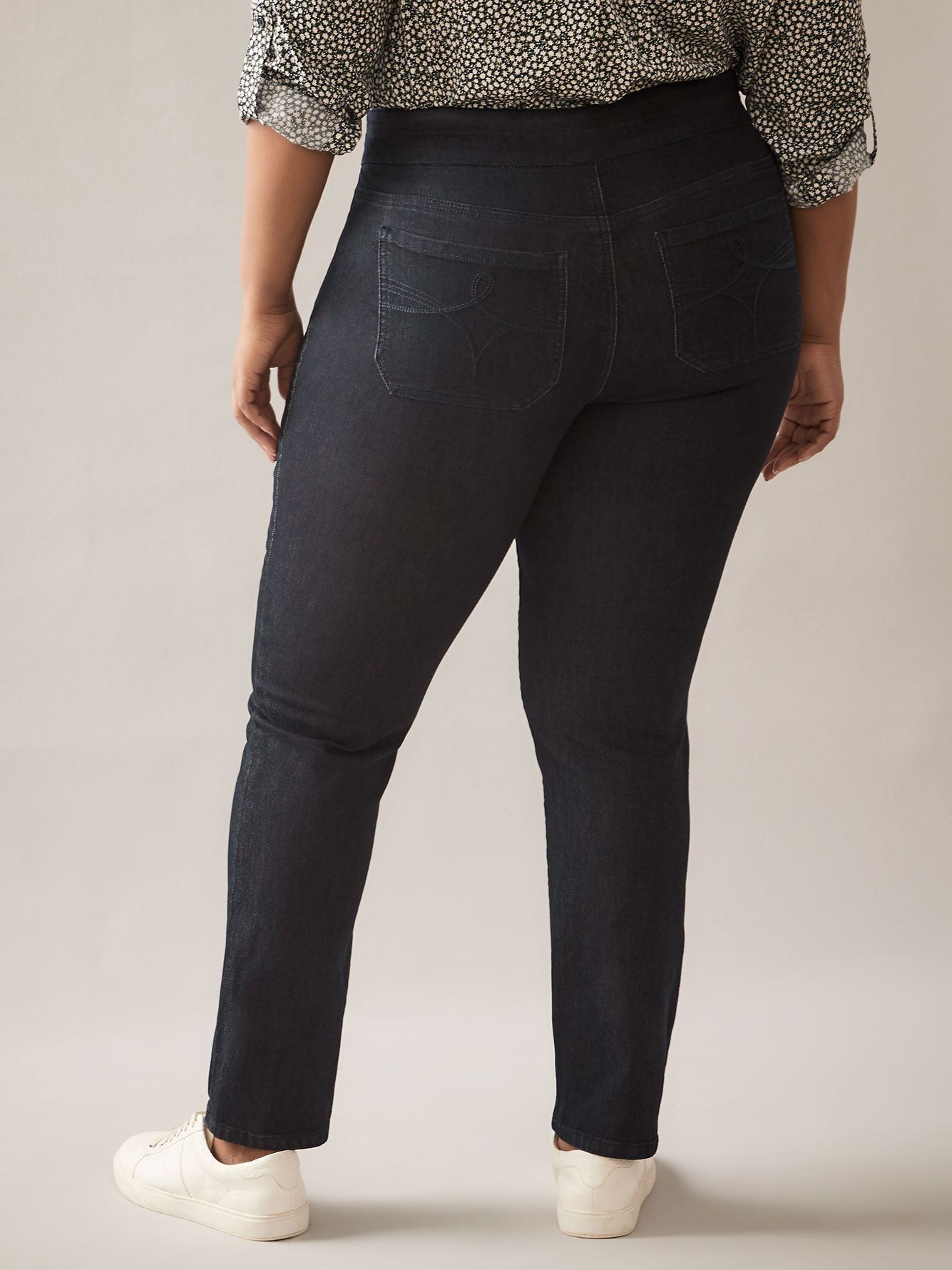 Savvy Fit, Straight-Leg Dark Jeans - In Every Story