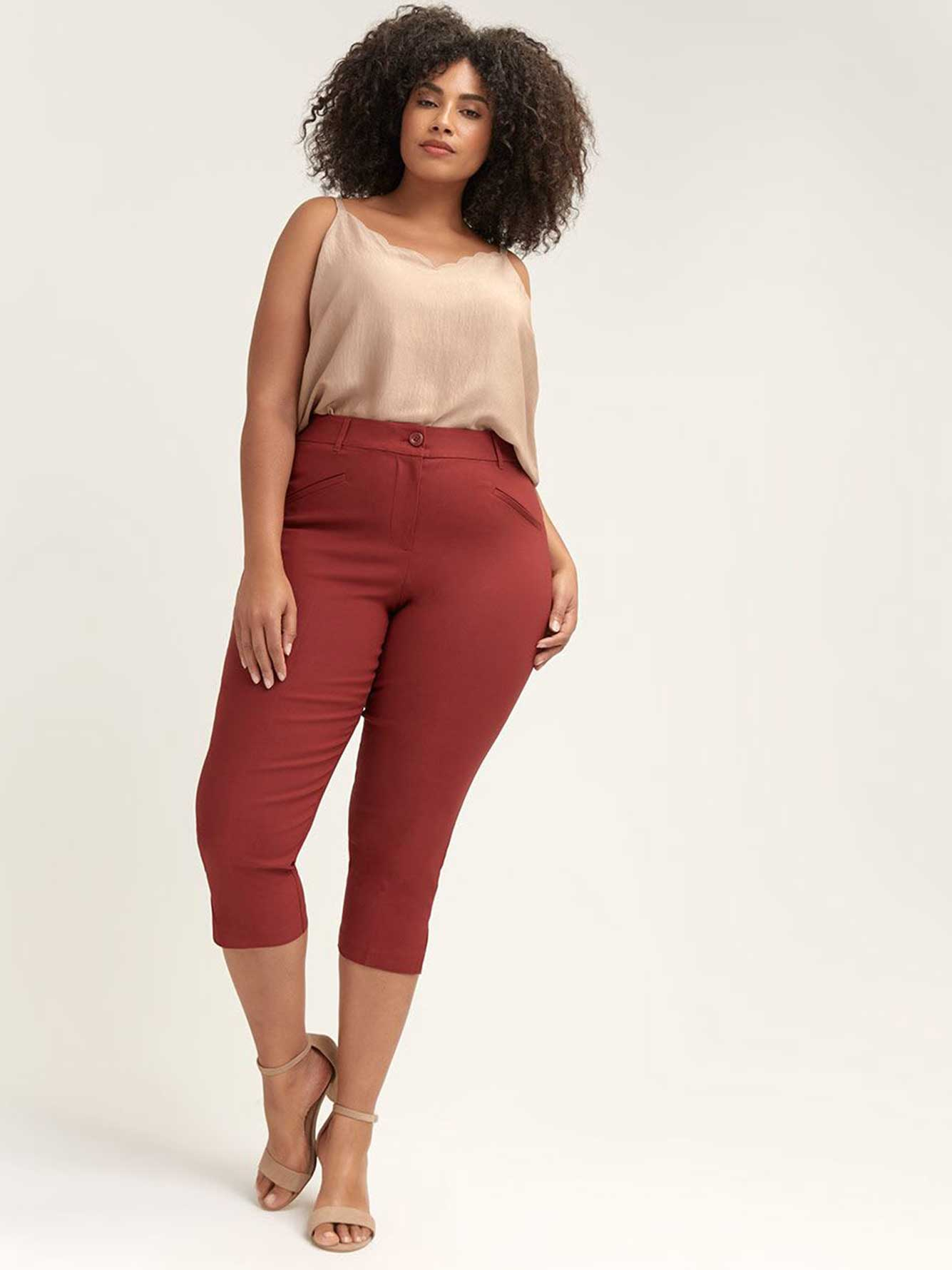 Savvy Chic Capri with Pockets