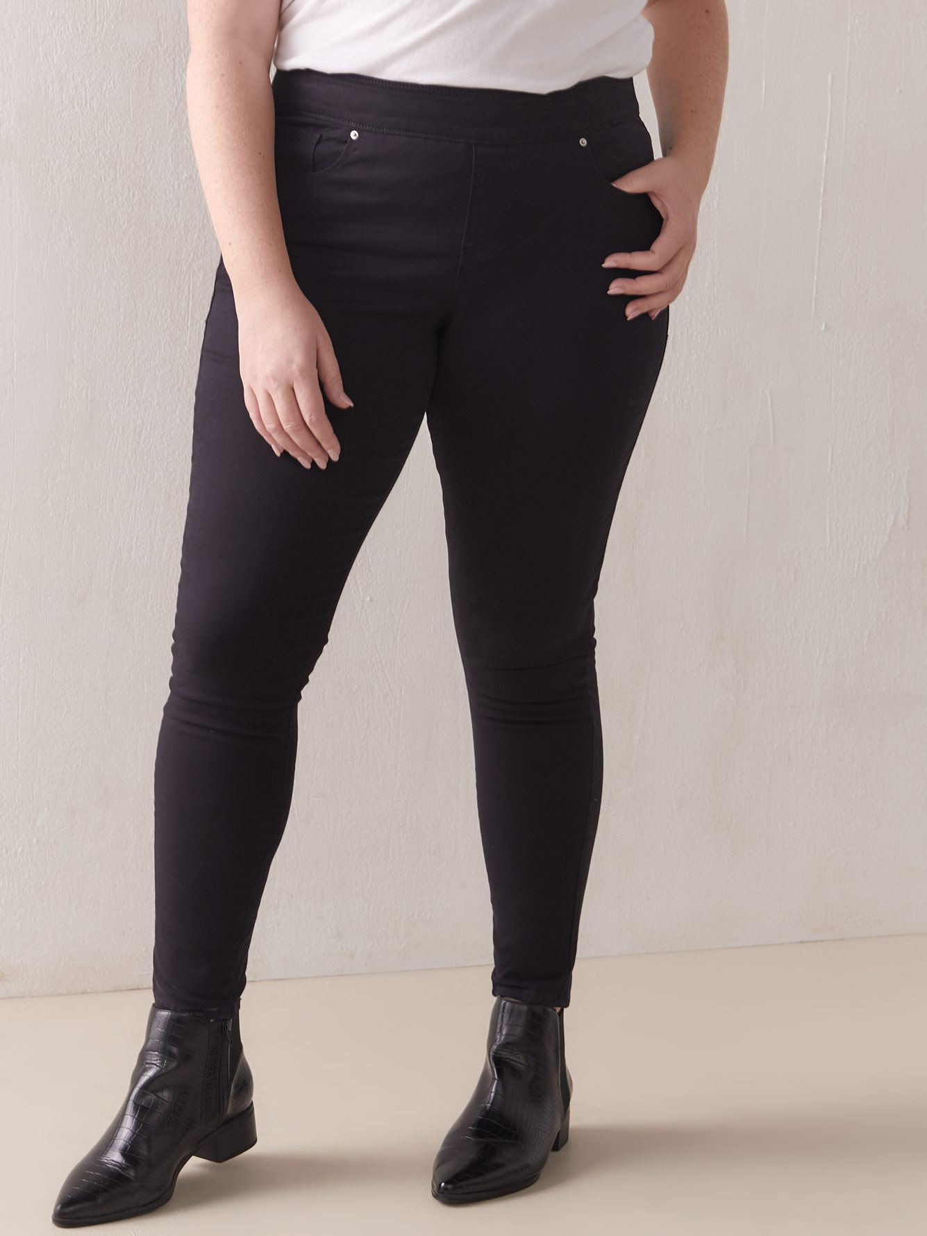 Pull-On Black Jegging - Levi's Premium