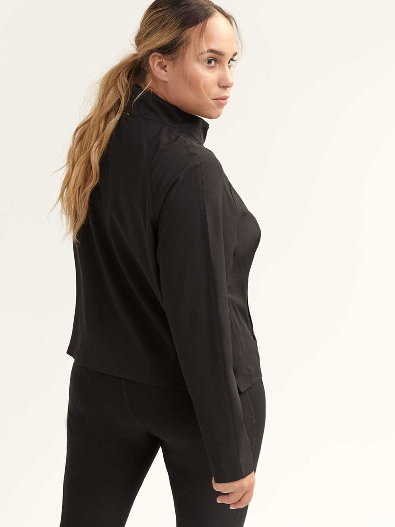 Short Jacket with 2-Way Stretch - ActiveZone