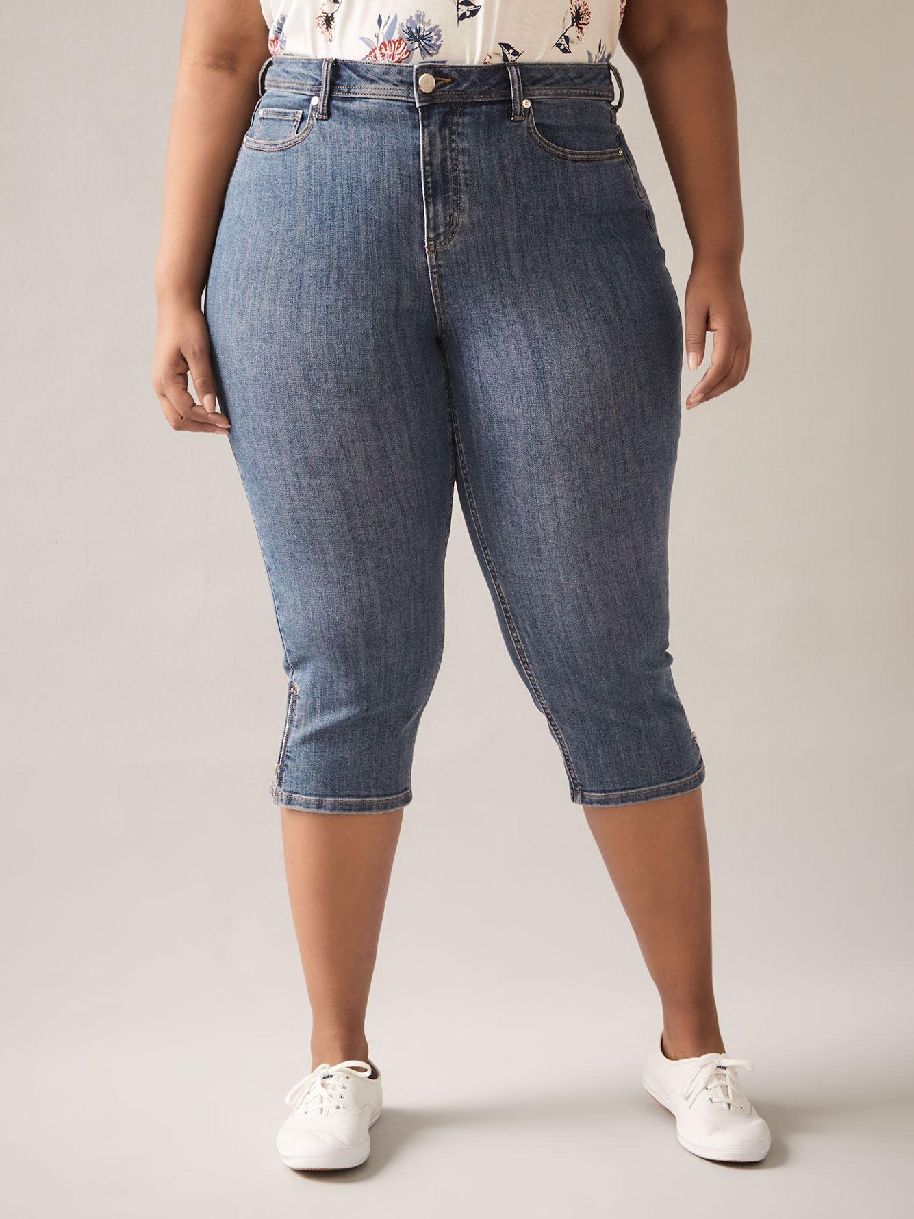 Curvy Fit, Straight-Leg Blue Denim Capri - In Every Story