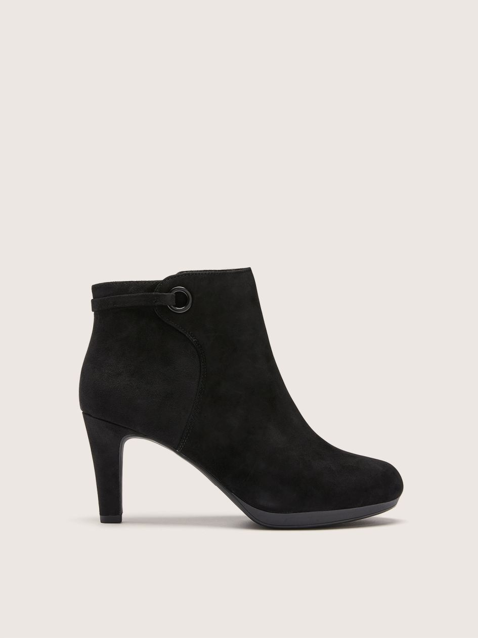 Wide Suede Adriel Mae Booties with Ring Clarks