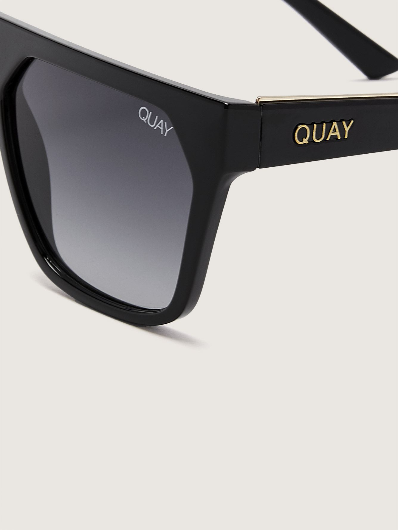 Quay, Very Busy - Large Sunglasses