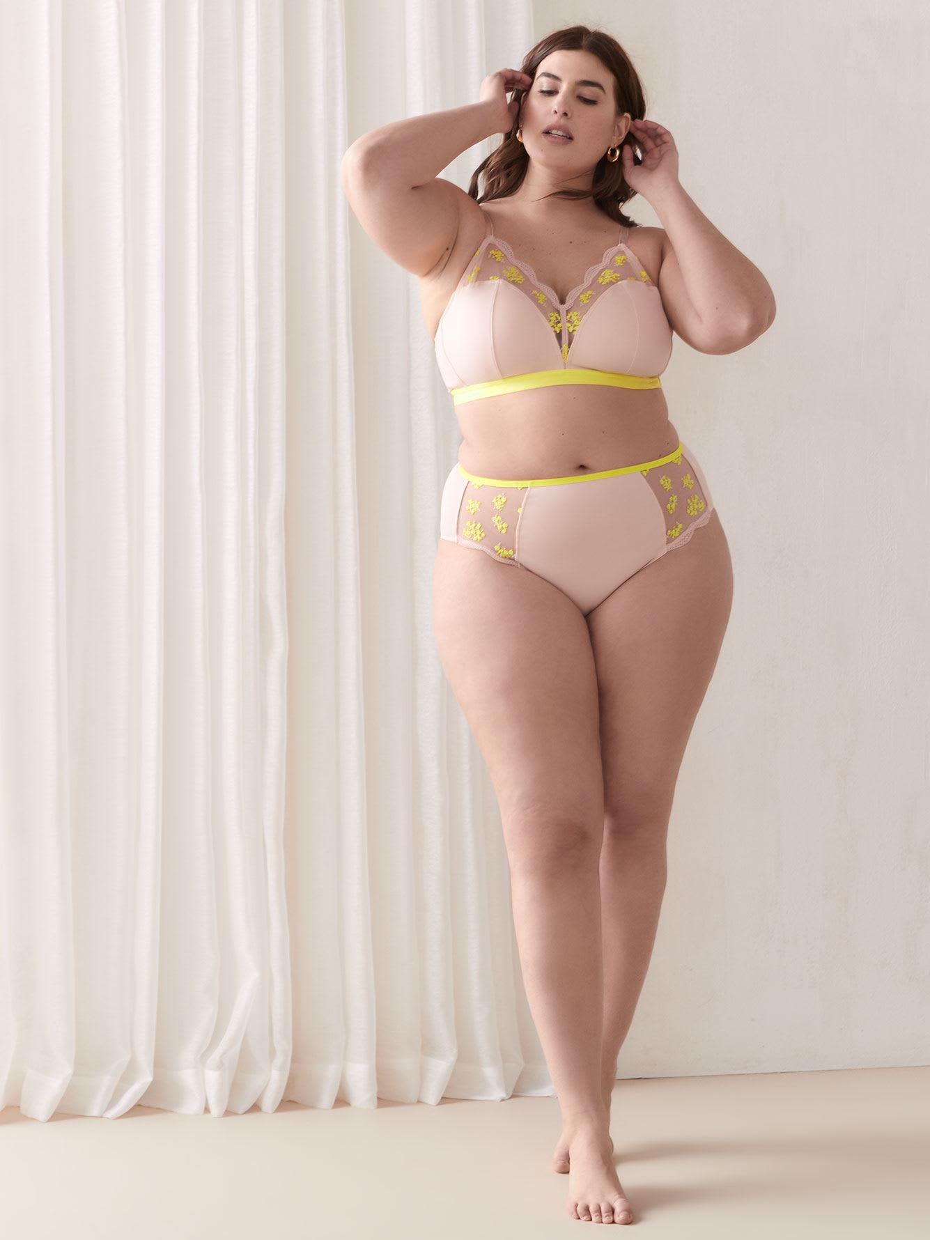 Contrast Embroidered High Waist Panty - Addition Elle