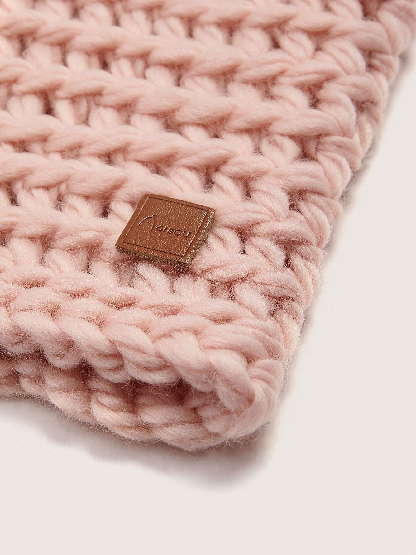 Hand-Knitted Wool Neck Warmer - Gibou