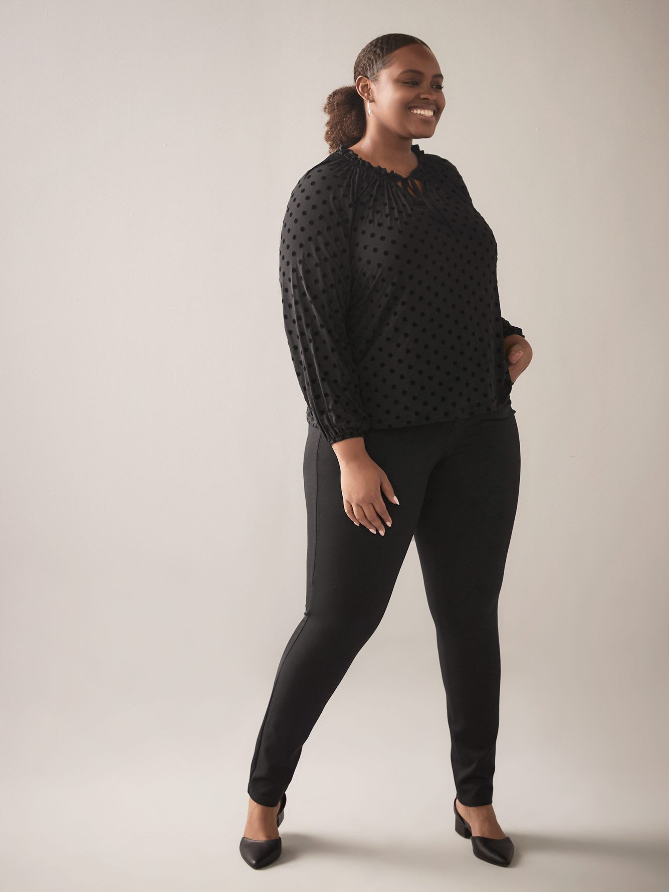 Balloon-Sleeve Shirred Crew-Neck Top - In Every Story