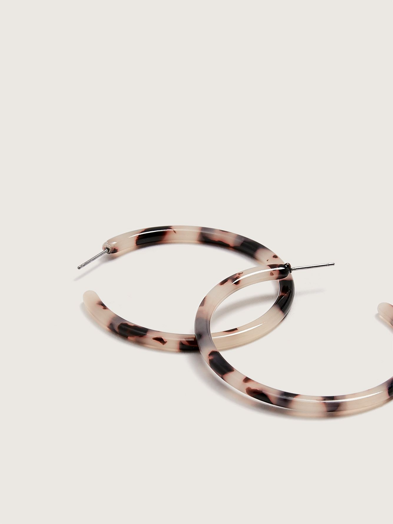 Thick Tortoise Hoops Earrings - Addition Elle