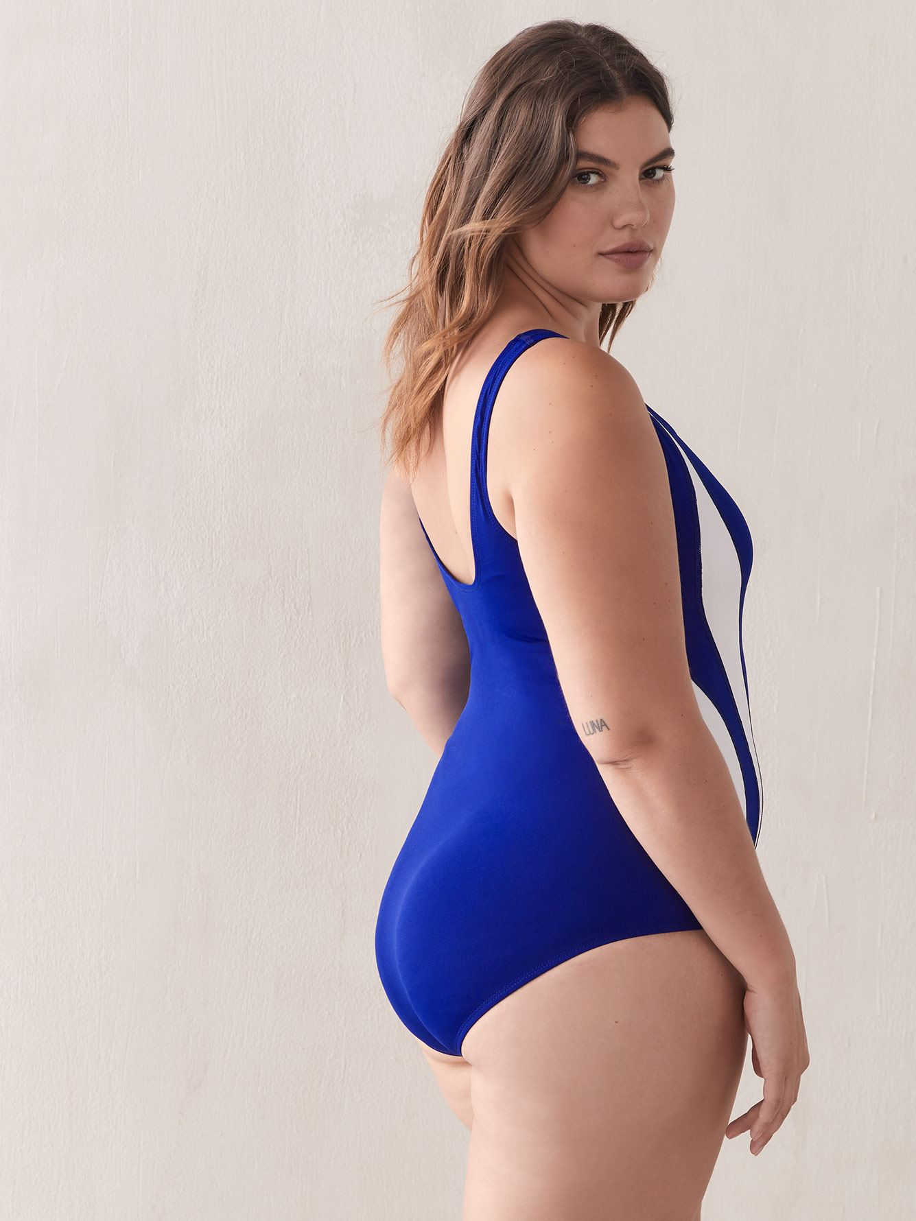 One-Piece Swimsuit with Contrasting Details - TYR