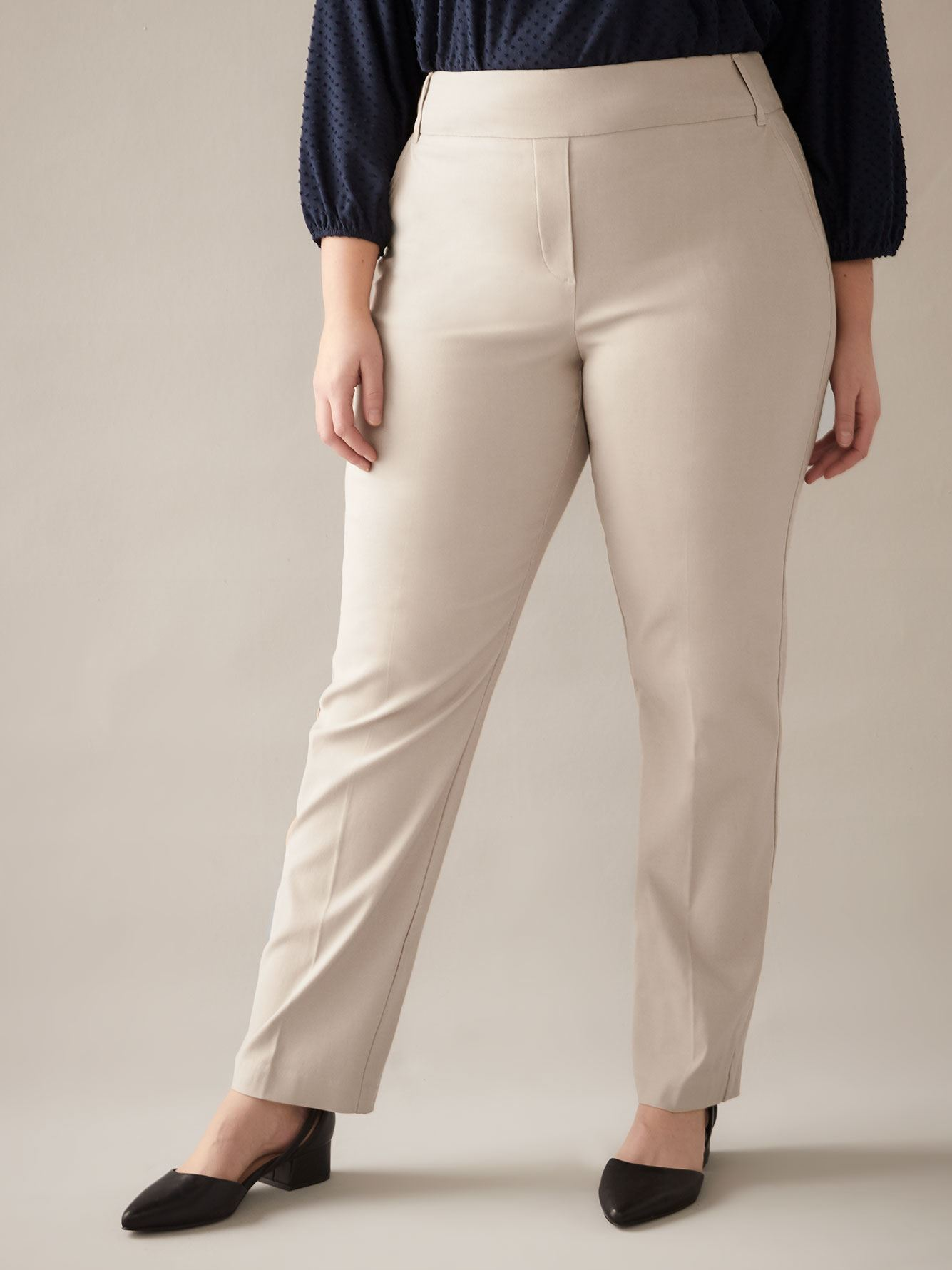 Grande, Pantalon droit Savvy - In Every Story