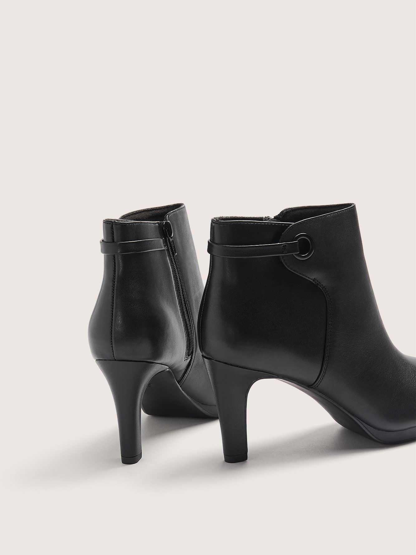 Wide Adriel Mae Leather Booties with Ring Detail - Clarks