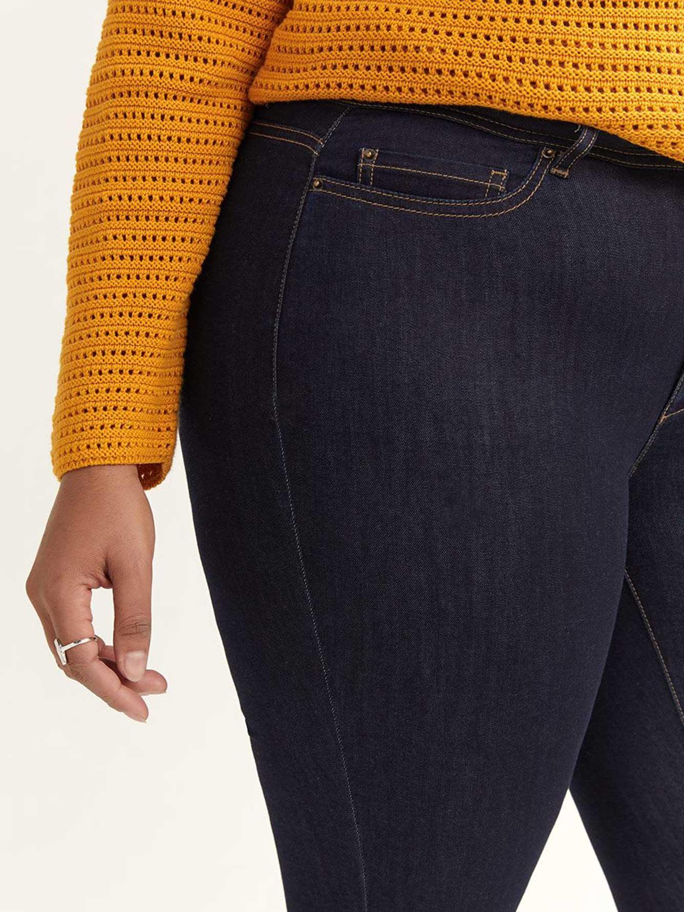 Slightly Curvy, Straight Leg Jean - d/c JEANS
