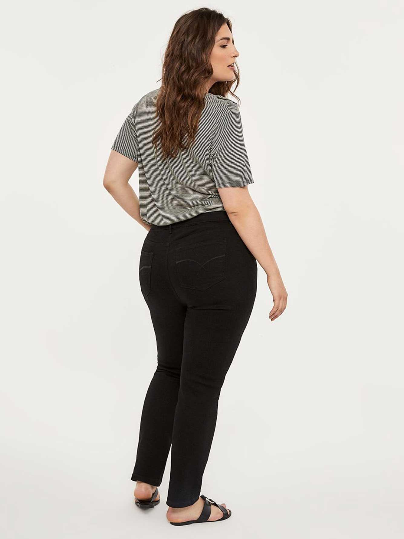 EN LIGNE SEULEMENT - GRANDE Jean droit noir, coupe galbée - d/C JEANS